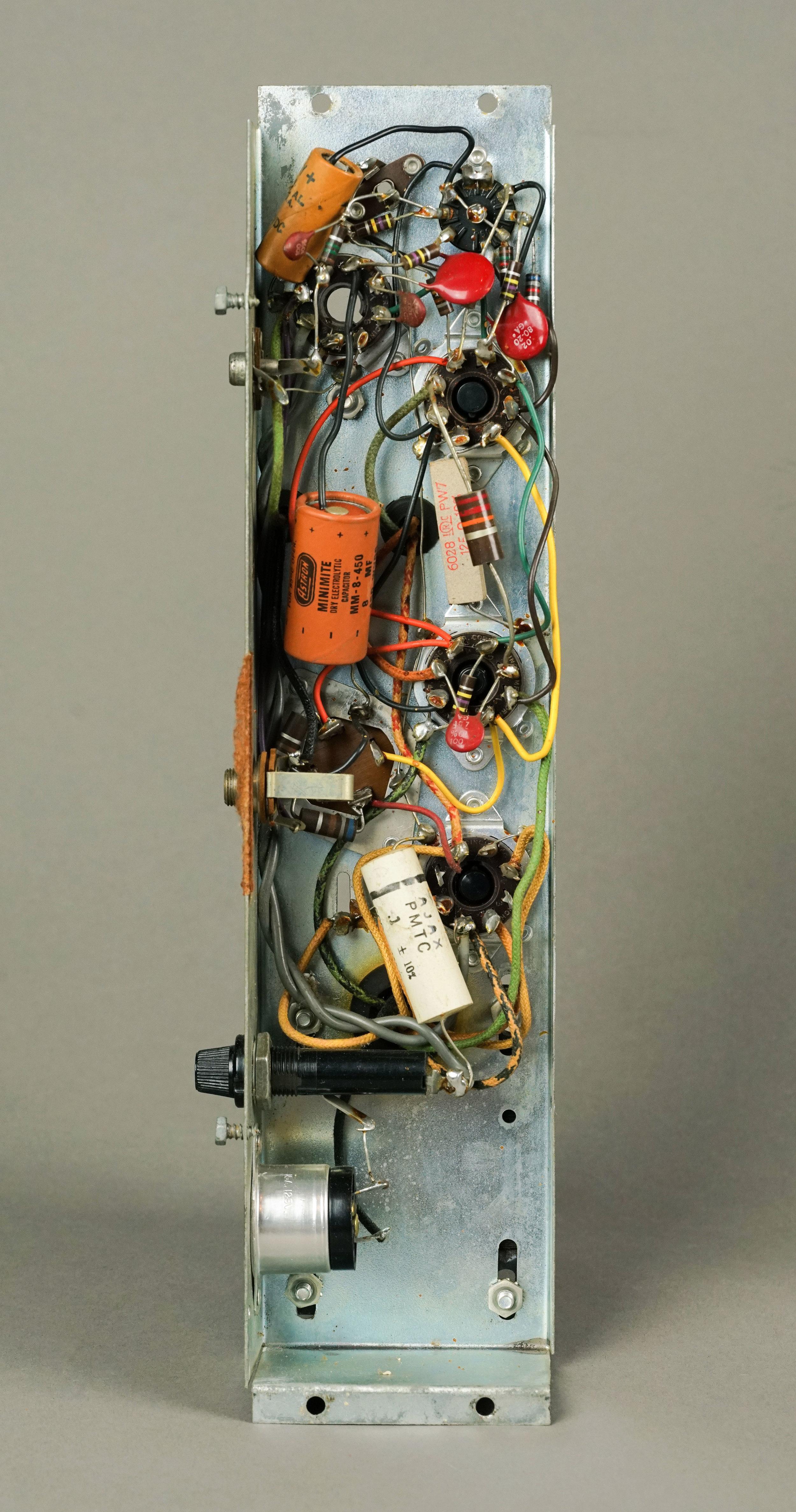 wurlitzer-120-700-amplifier.jpg