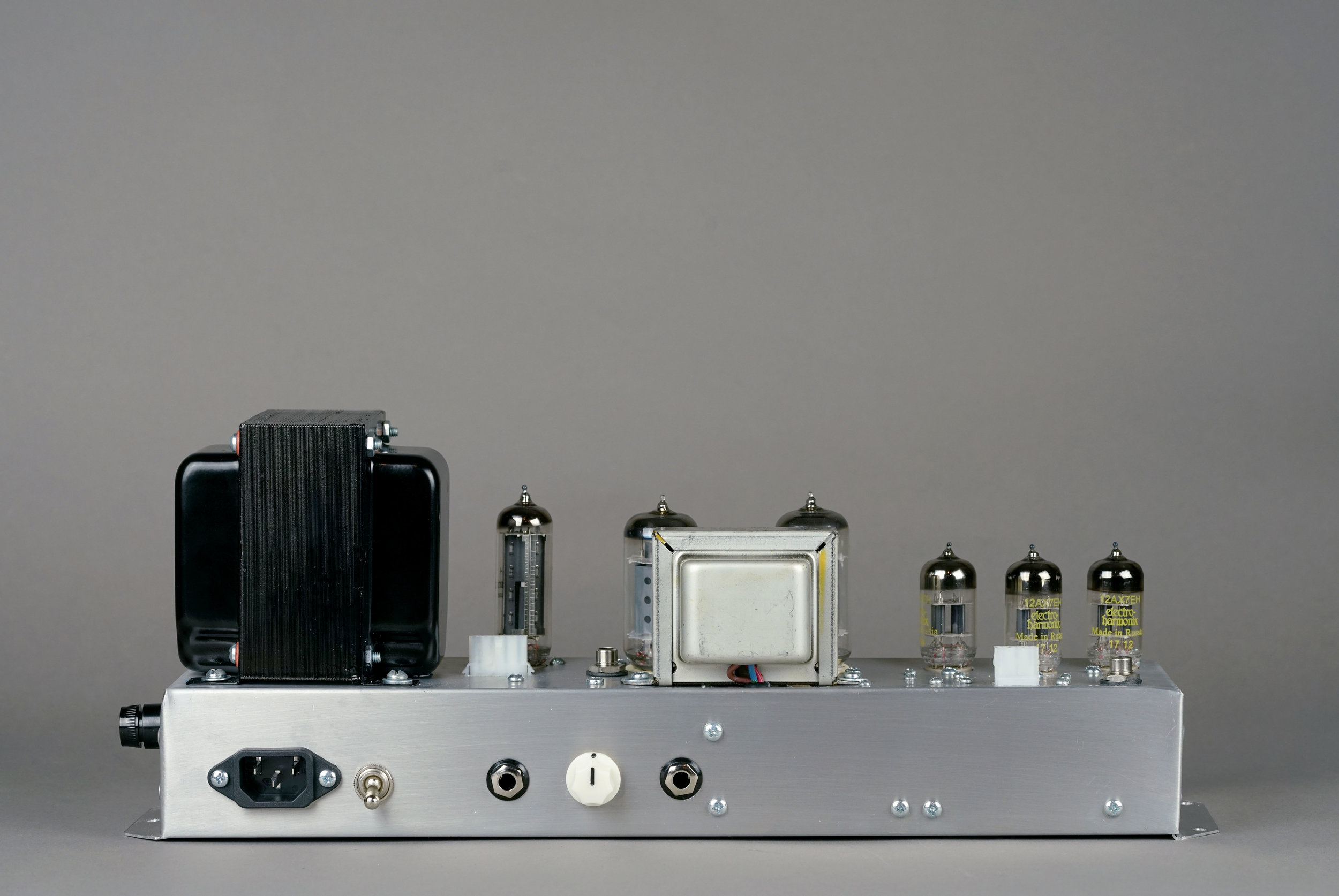 Our 145 replacement amp optionally comes with an fx loop.