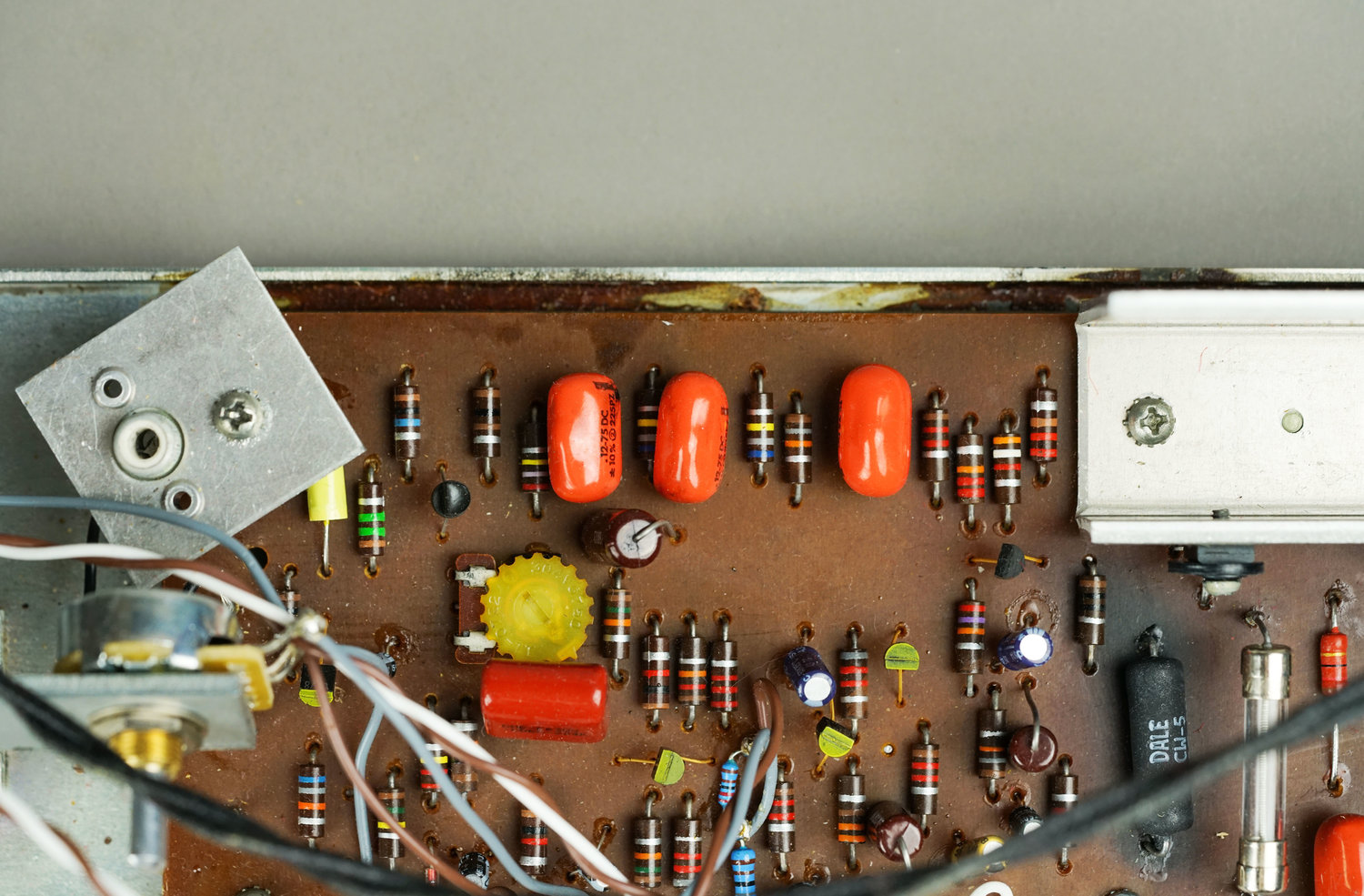 What Components Should I Replace in My Vintage Wurlitzer Amp, and Why?