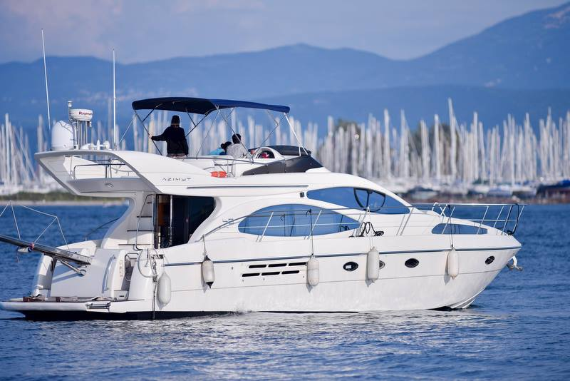TECHNICAL - MODELAzimut 46 Flybridge 2005 ModelMotor yachtSkipperedLength: 49ft / 15mFuel consumption: 100L/pHCruising speed: 23KNEngines: Caterpillar c9 2x500cc