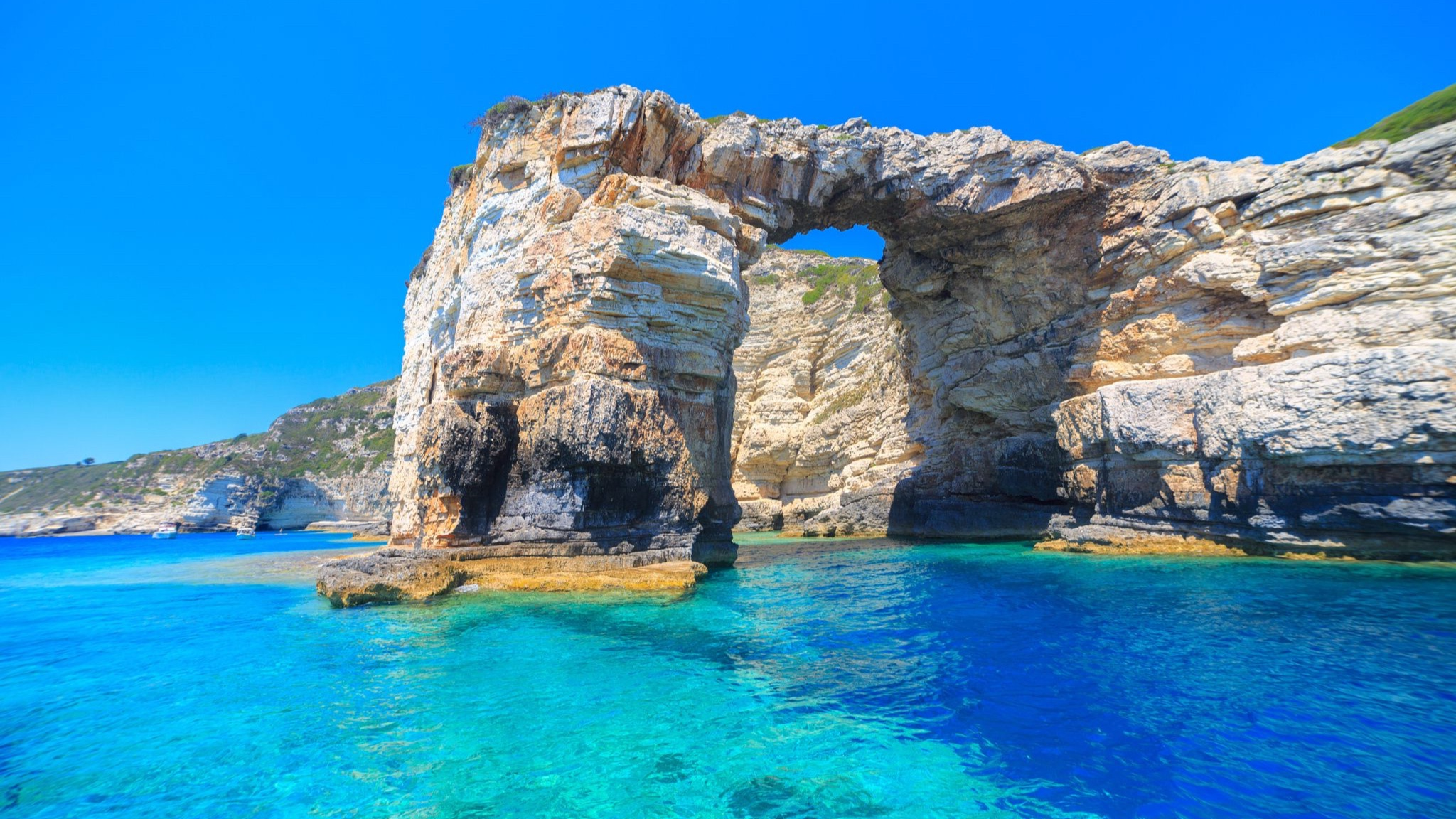 DAILY CRUISES - DISCOVER THE SECRET BEACHES