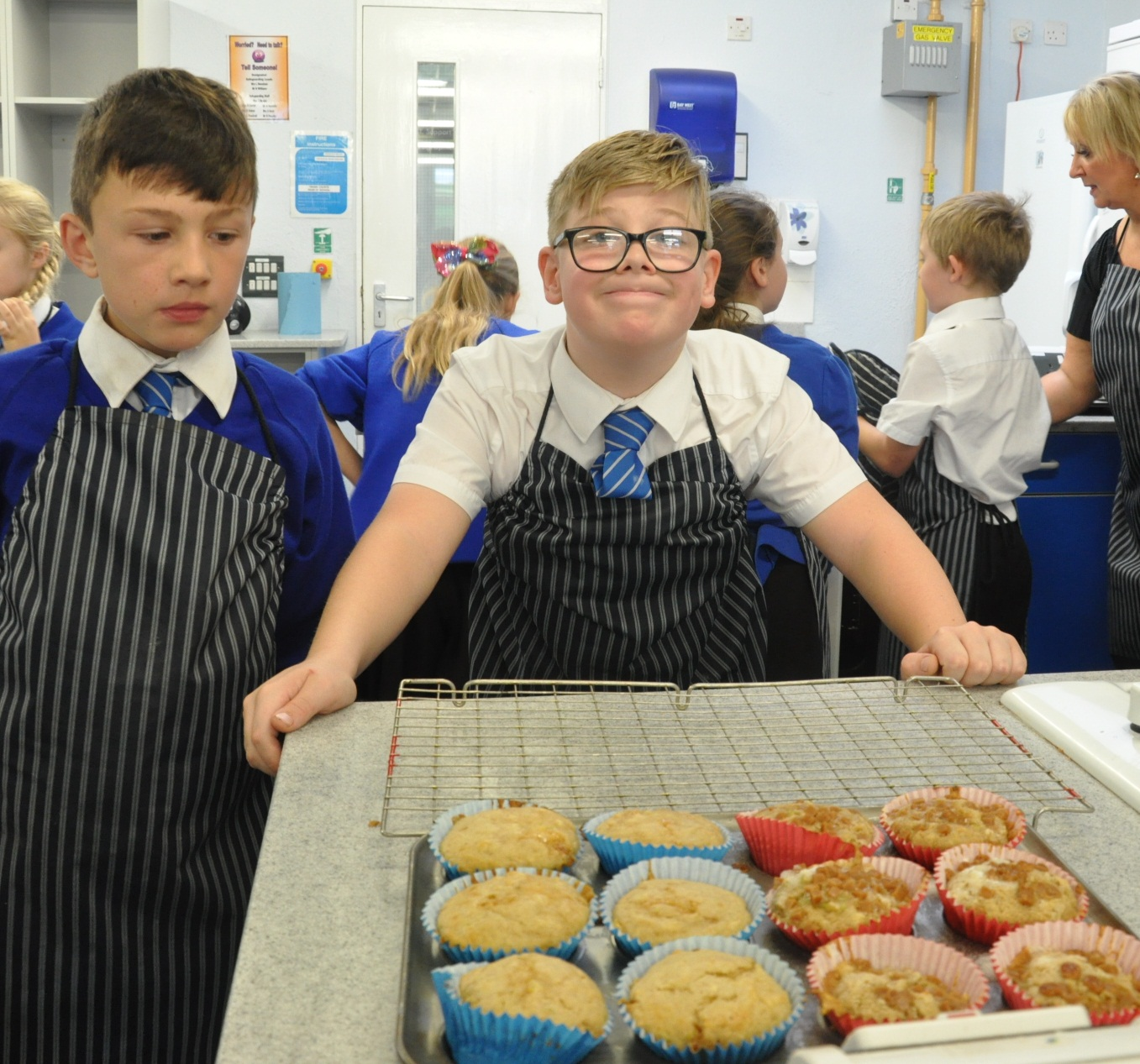 Tyler and Finlay with their muffins