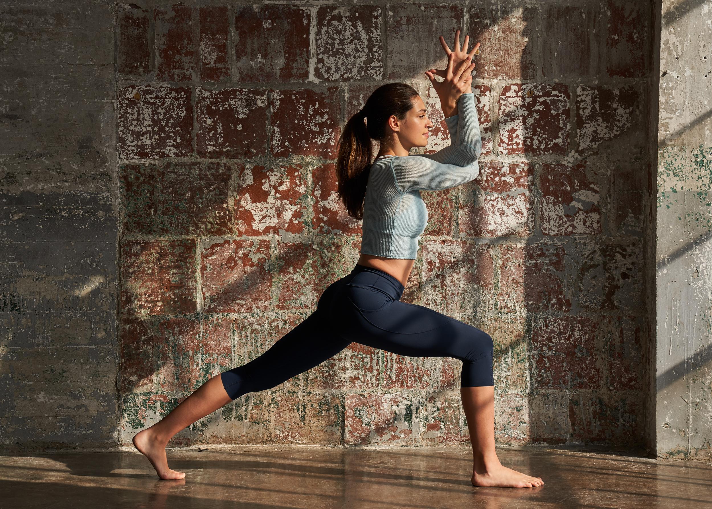 190205_TomLew_Laura_yoga_0396.jpg