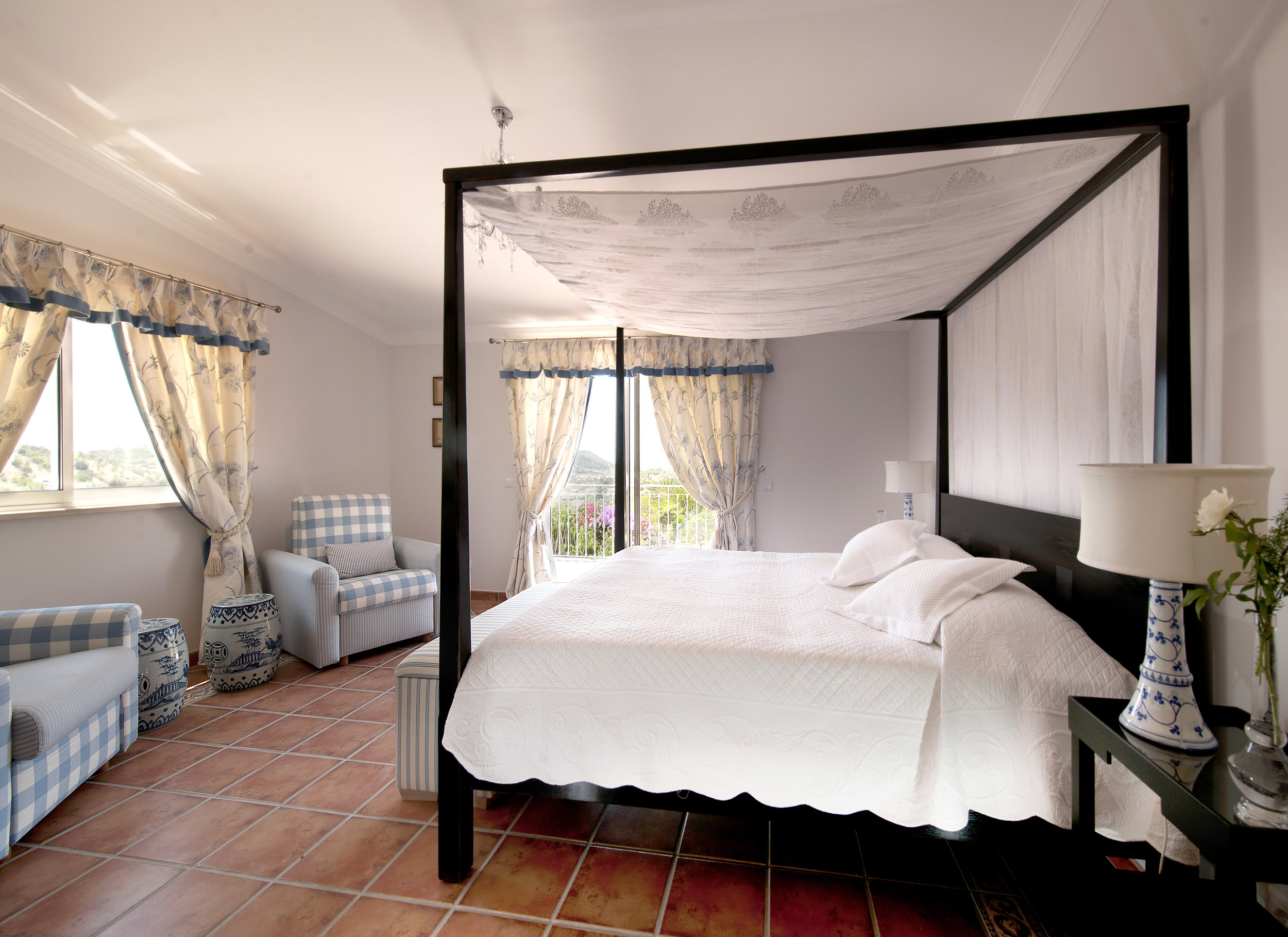 9 Zavial Master Suite with Sea View.jpg