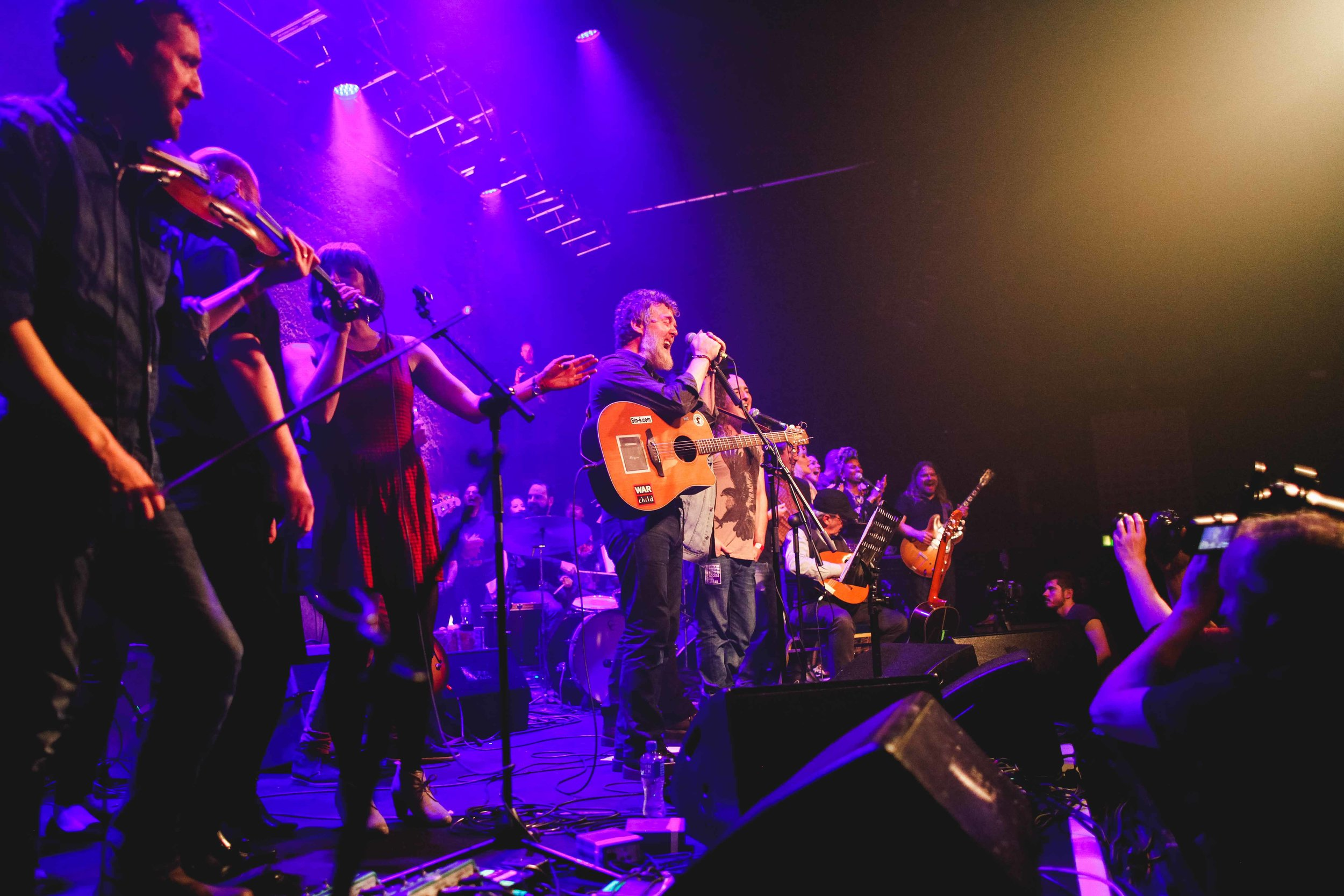 Glen Hansard & Friends, Mic Christopher by Kathrin  Baumbach_0175.jpg