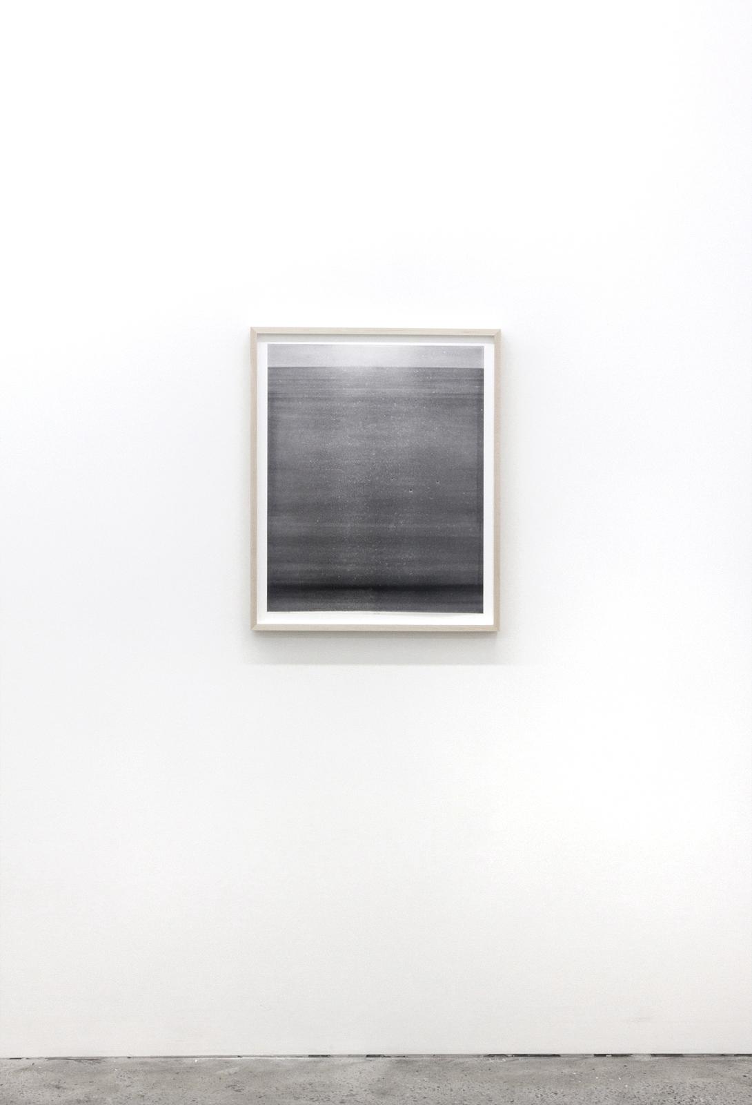 """Jim Verburg,  Untitled (de la série Metaphysical Obstacles and The Acceptance of the Inevitable),  2016, peinture à base d'huile sur Mylar givré, 67 x 56 cm (27"""" x 22"""")"""