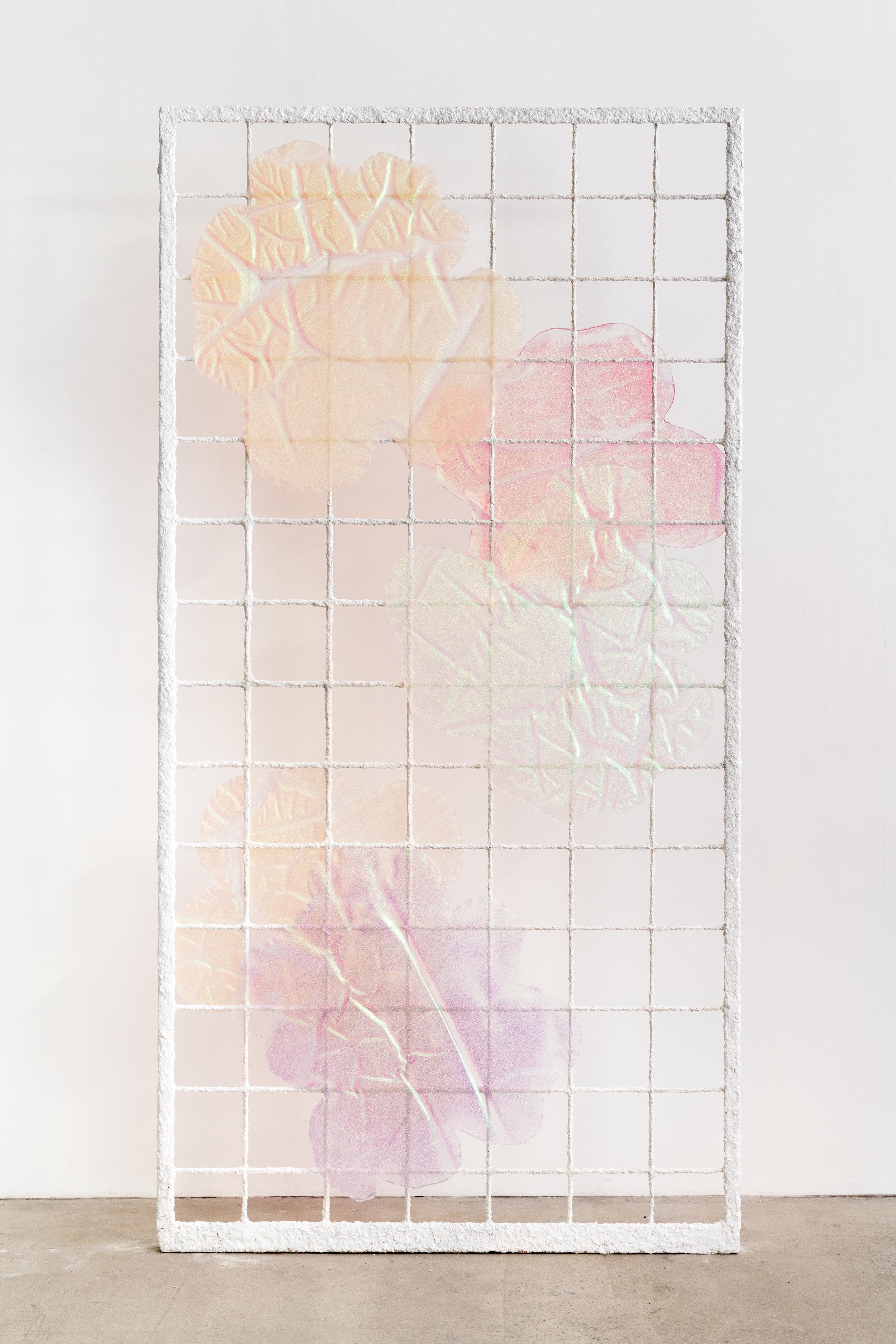 """Michelle Bui,  Sunny Day Out,  2018, métal galvanisé, pulpe de papier, résine, 213 x 109 x 8 cm (84"""" x 43"""" x 3"""")"""