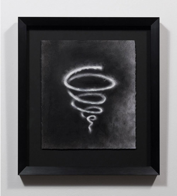 """Carl Trahan, Gyre 1 , 2019, émail acrylique, fusain et pastel sur papier, 26 x 21 cm (10"""" x 8"""")"""