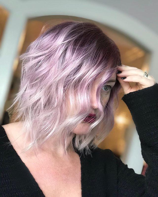 Purple pure pigment 💜 • 8sb@pk • 6vv • 5mb • Purple & green pigments . . . . . . . #jennassalon #goldwellpurepigments #goldwellapprovedus #colormorphing