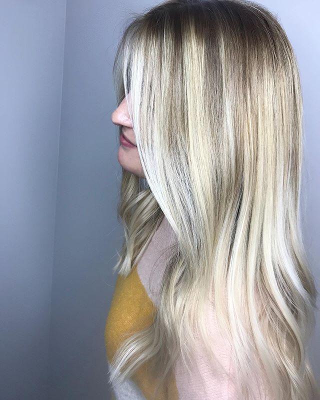 Our Taylor created this beautiful blonde masterpiece today😍 #jennassalon Call•text 518.225.2225. . . . . . . . #hairoftheday #saturday #blondegoals #jennasblondes #goldwellapprovedus #kmsapprovedus #watervlietny #lathamny #troyny #albanyny #cliftonparkny #saratogasprings #capitalregion #licensedtocreate #weekend #likeforlikes #likeforfollow #hairideas