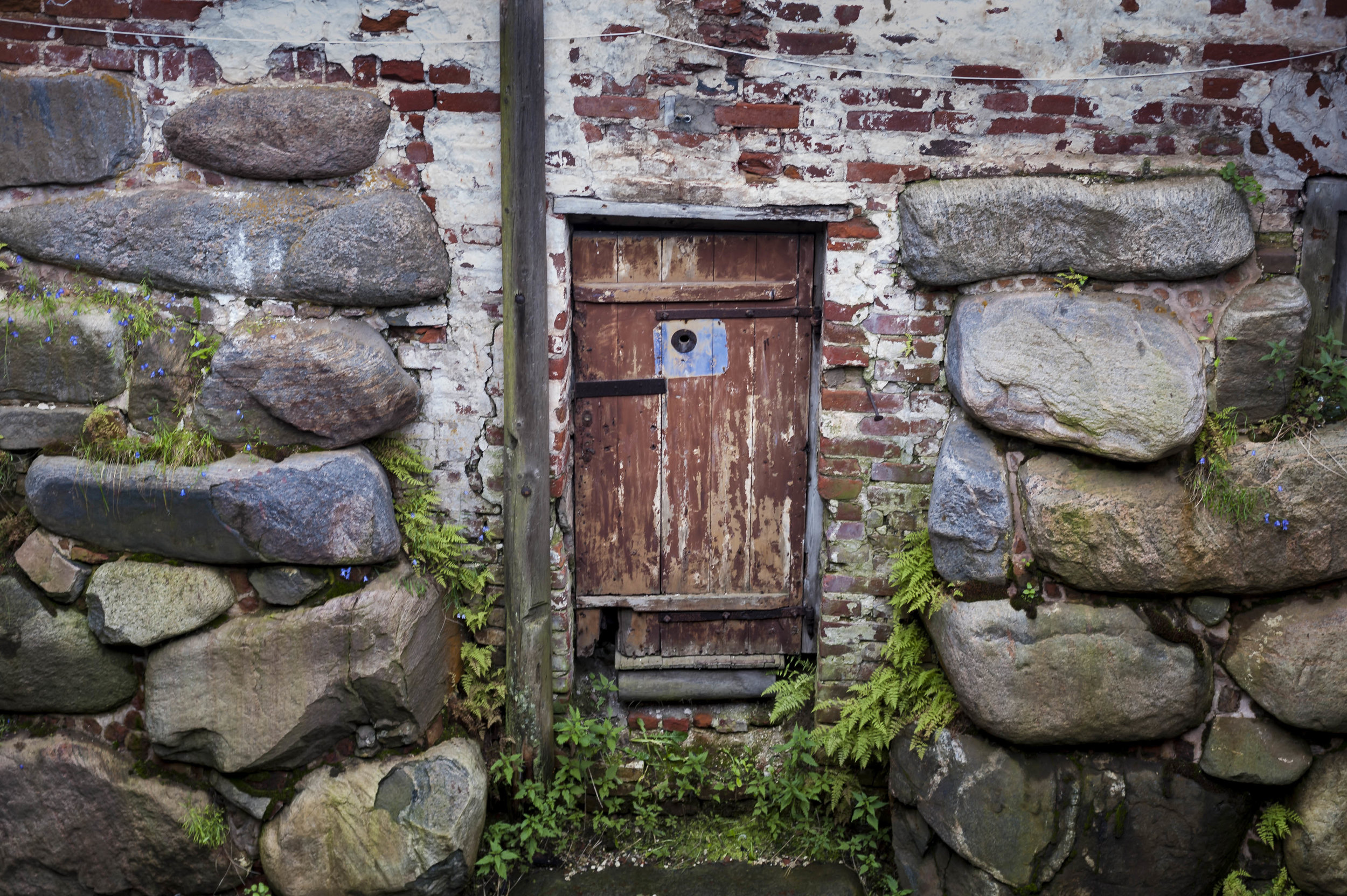 Door with poophole, Solovetsky Monastery, August 2015