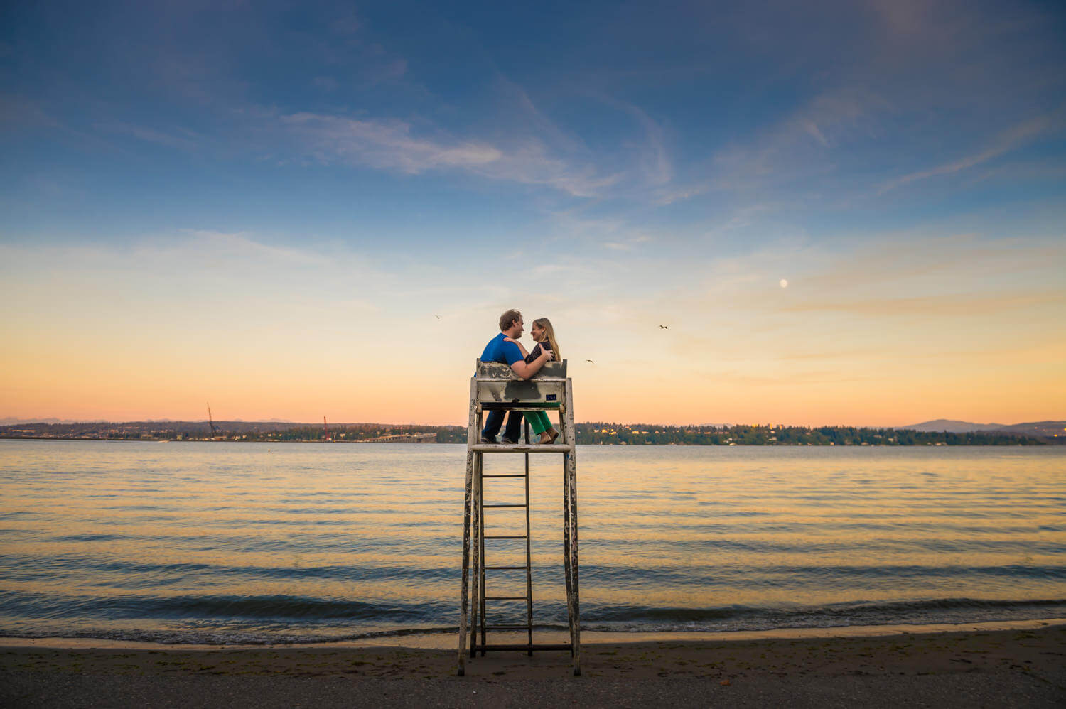 sunset-engagement-lake-washington.jpg