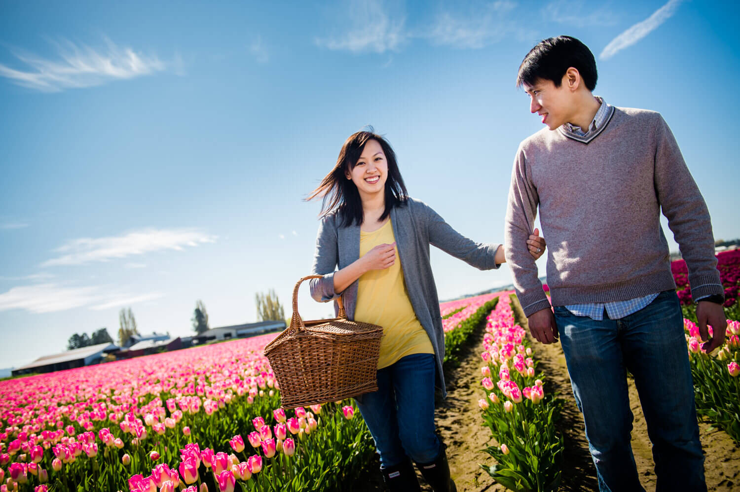 tulips-picnic-engagements.jpg