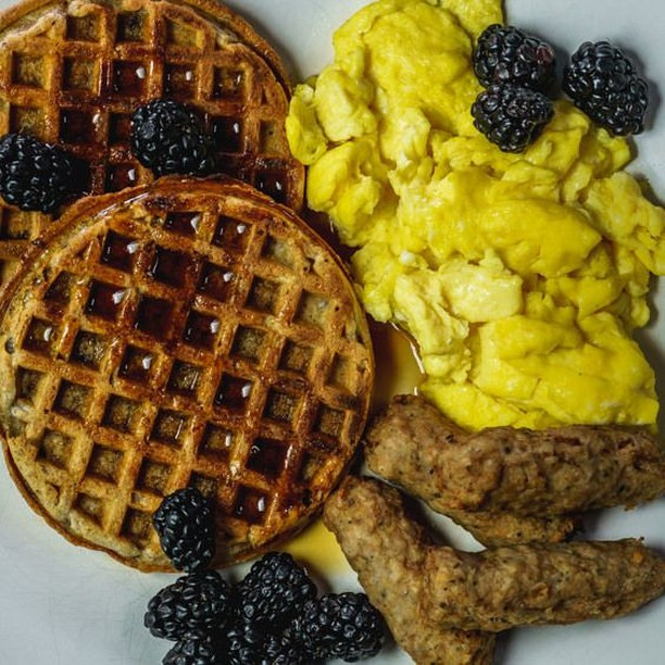 Our blog post on breakfast has a lot of opinions flying about epidemiology studies, as well as waffles & sausage.⠀ •⠀ Check out foodscapefinds.com for our thoughts on a recent study that came to the conclusion that skipping breakfast correlates to higher mortality! 😮