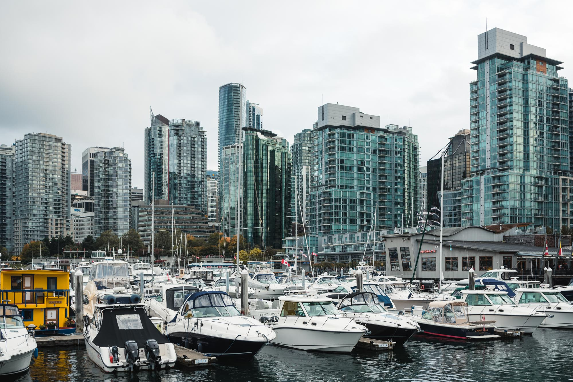 Coal Harbour Vancouver boats