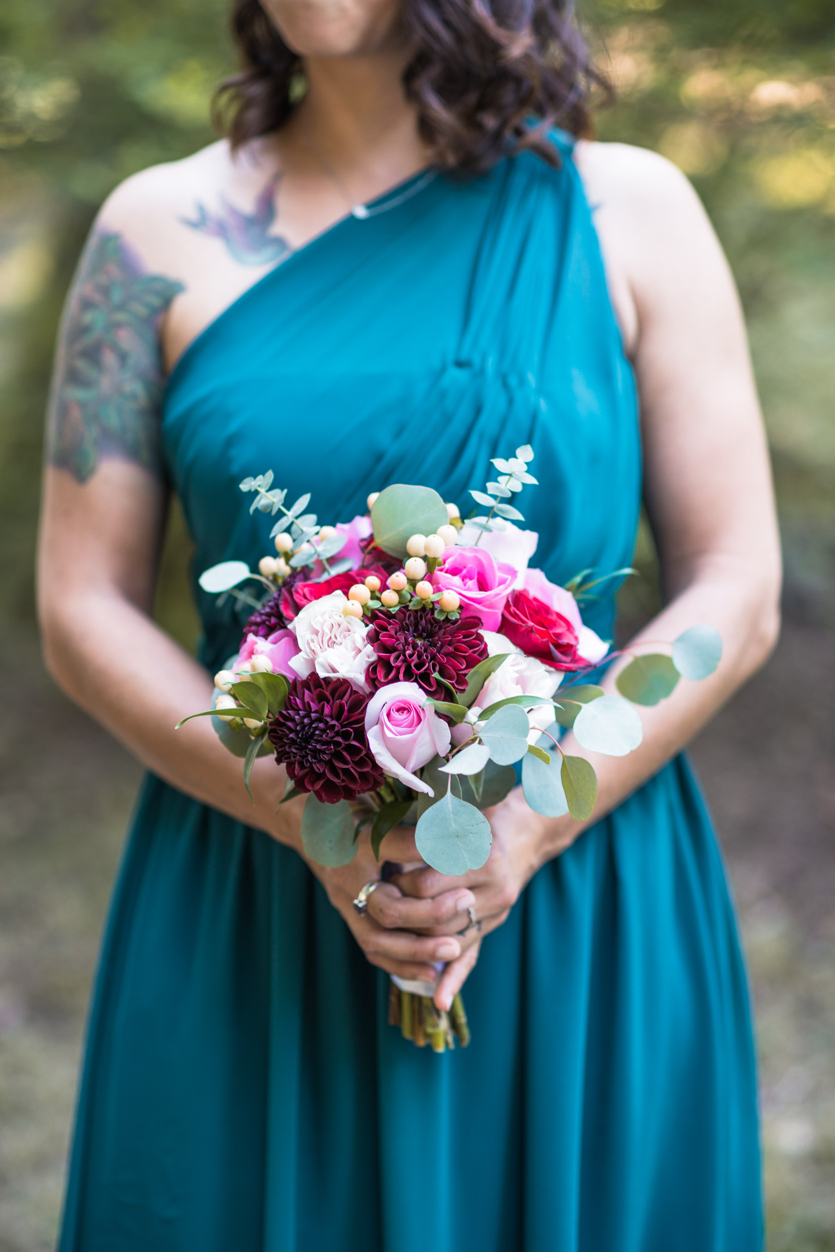 Maid of honour with bouquet