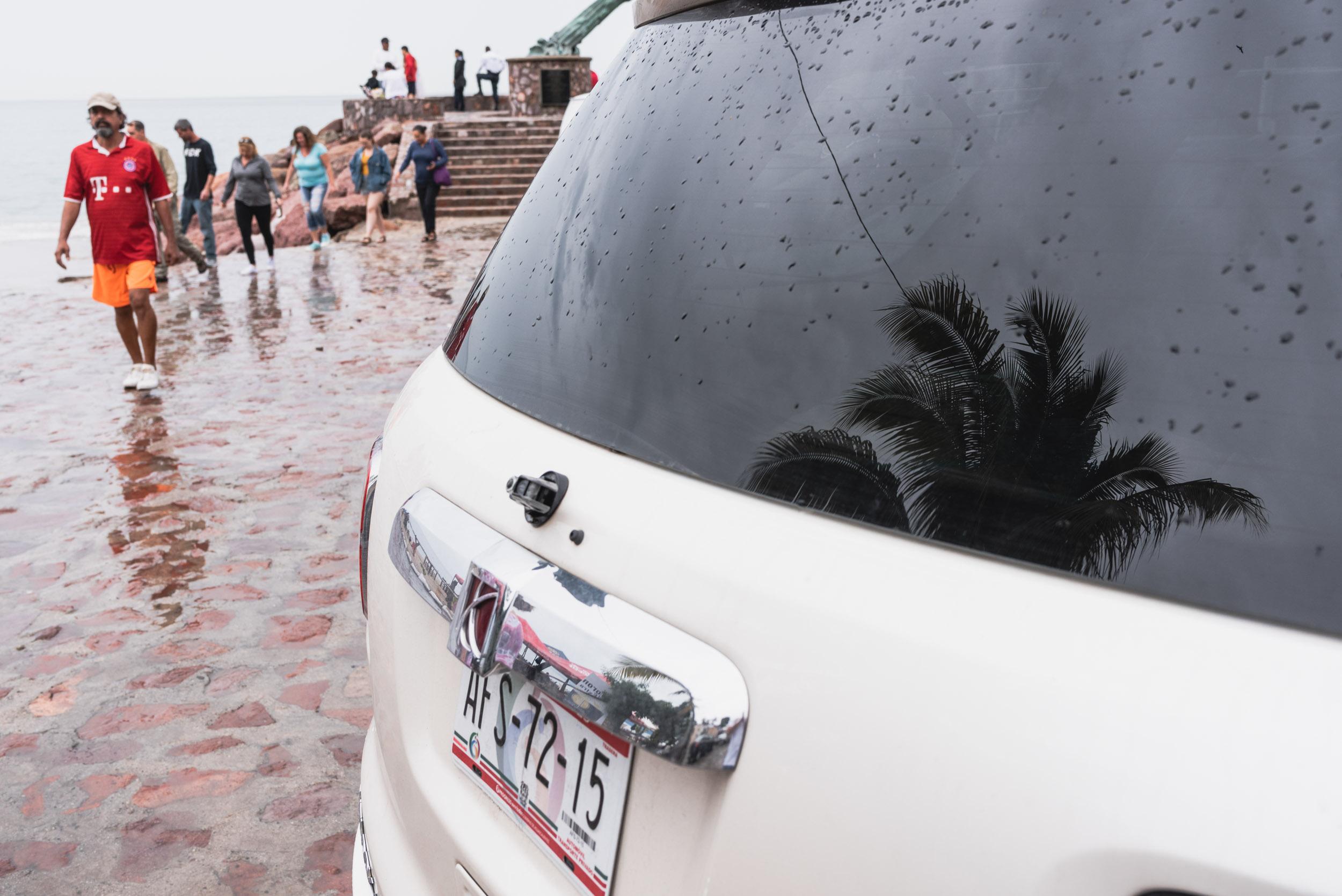 Puerto Vallarta Malecon street scene