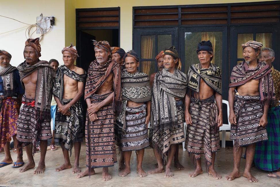 SABU ISLAND VILLAGE LEADERS DRESSED IN TRADITIONAL CLOTHING.   PHOTO CREDIT: SANTA CLARA UNIVERSITY