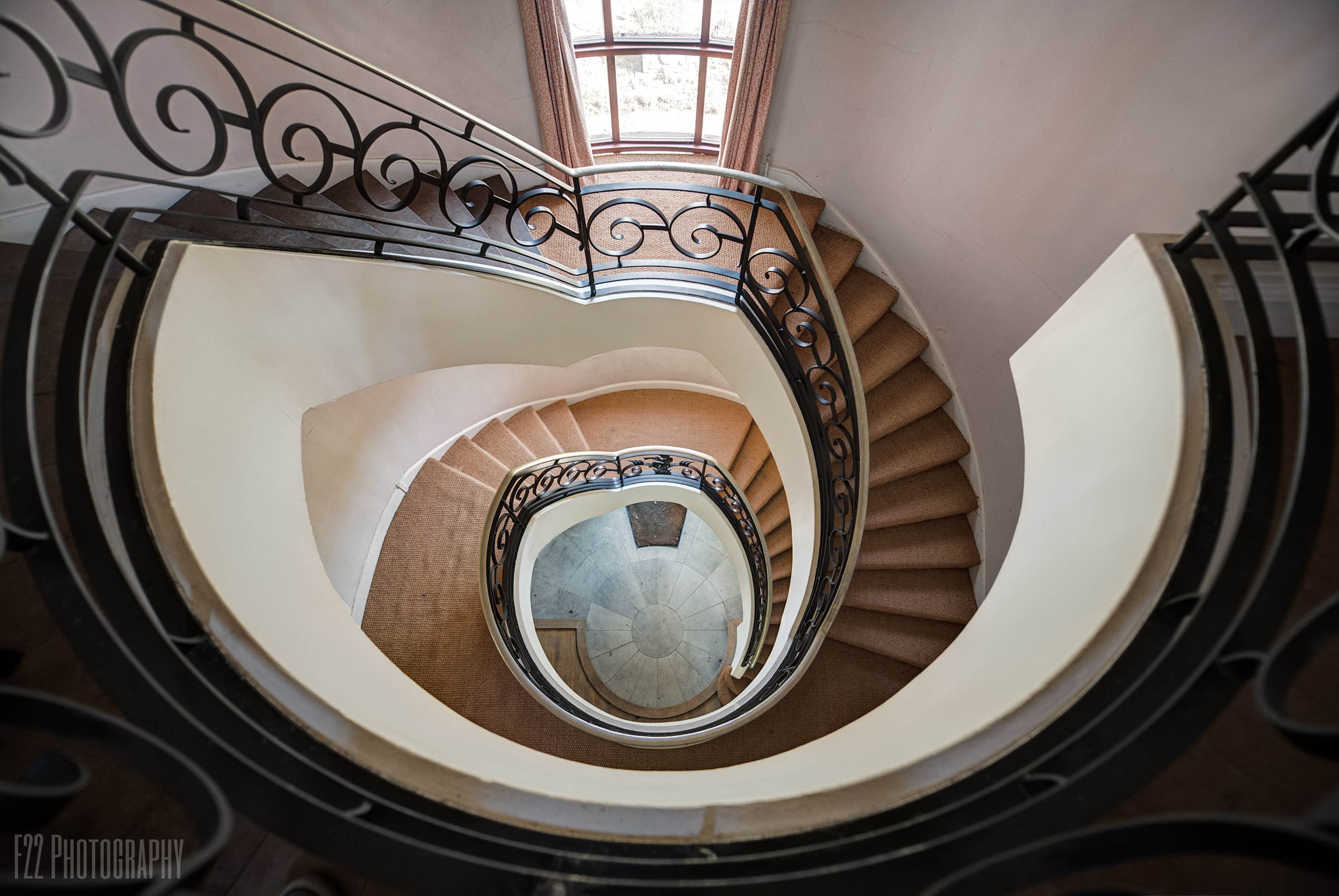 Millionaire Mansion - Abandoned