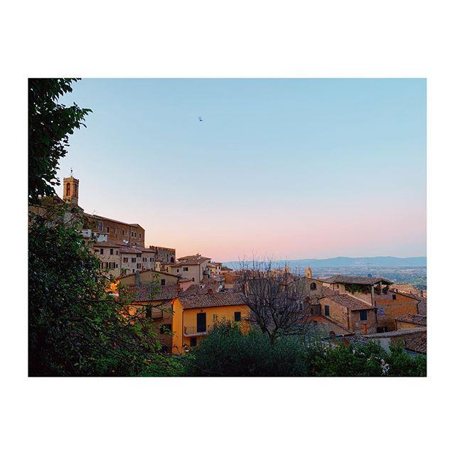 under the tuscan sun(set) 🌅