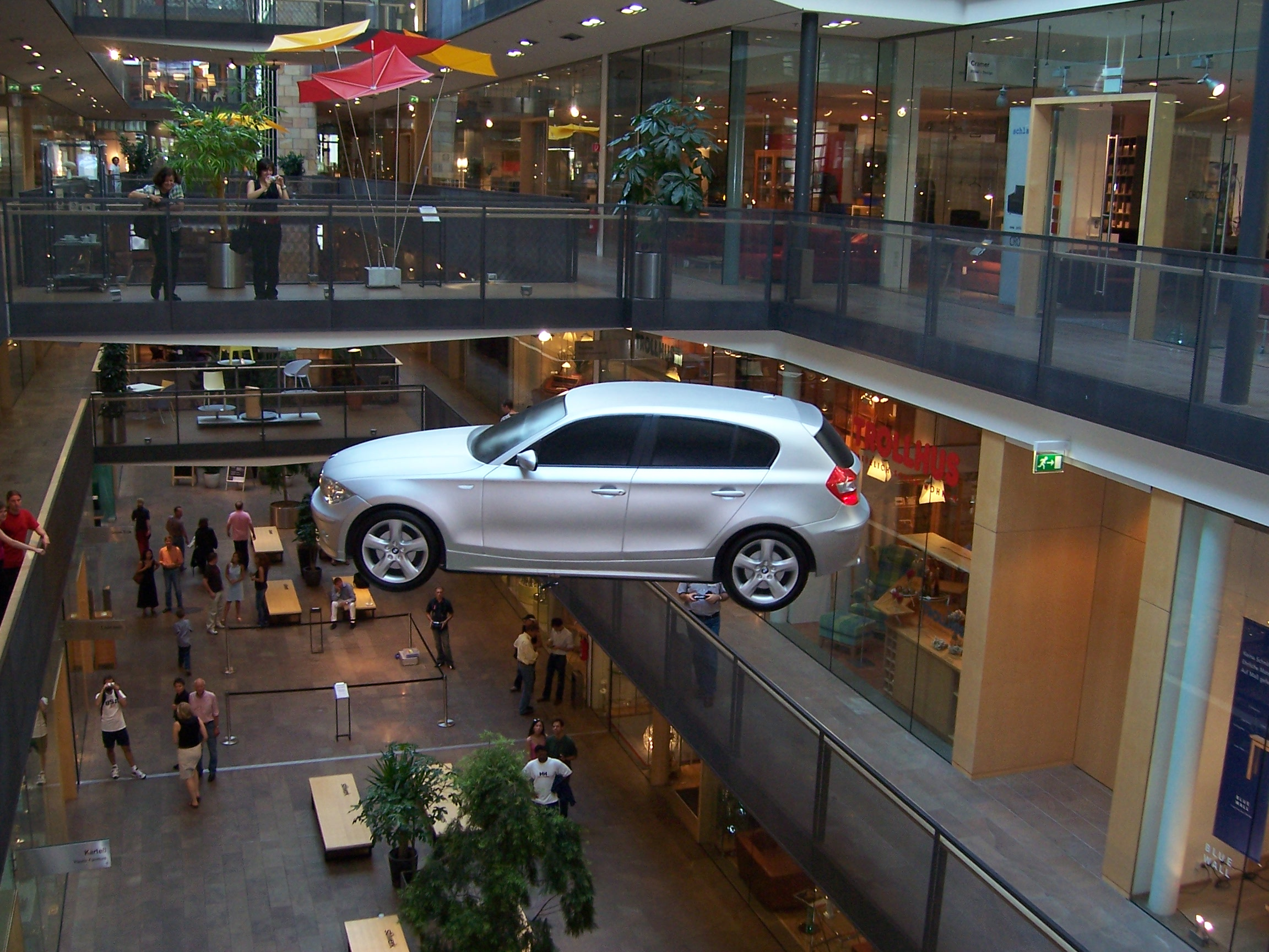 #2 - BMW 1 - Worldwide