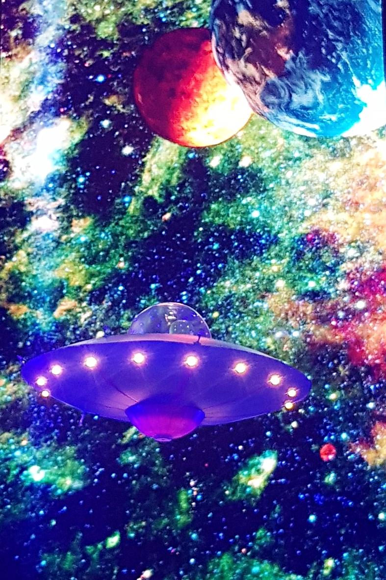 UFO with alien 3.jpeg