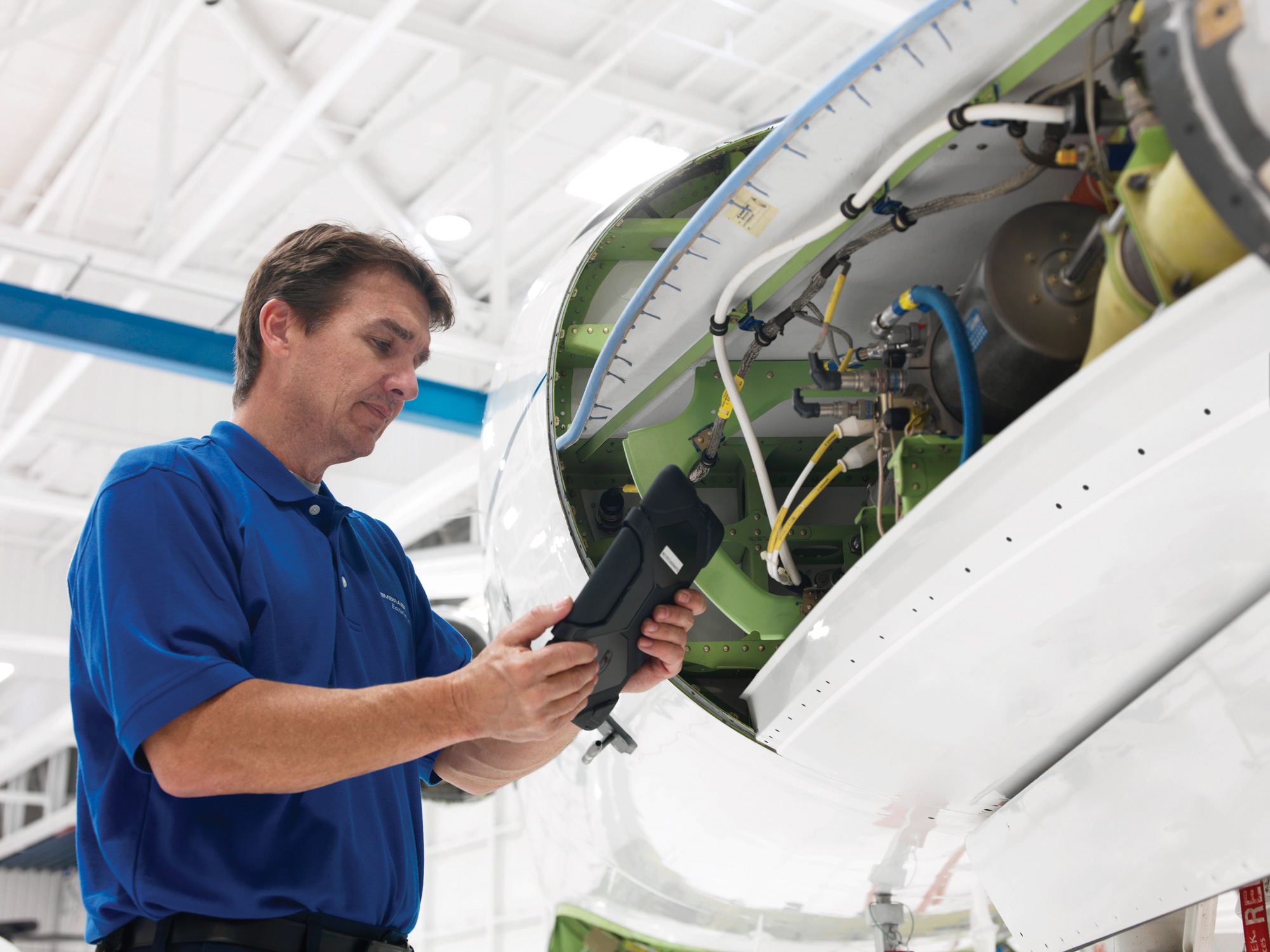 Aircraft and OEM crews make use of apps to reduce downtime required for maintenance.