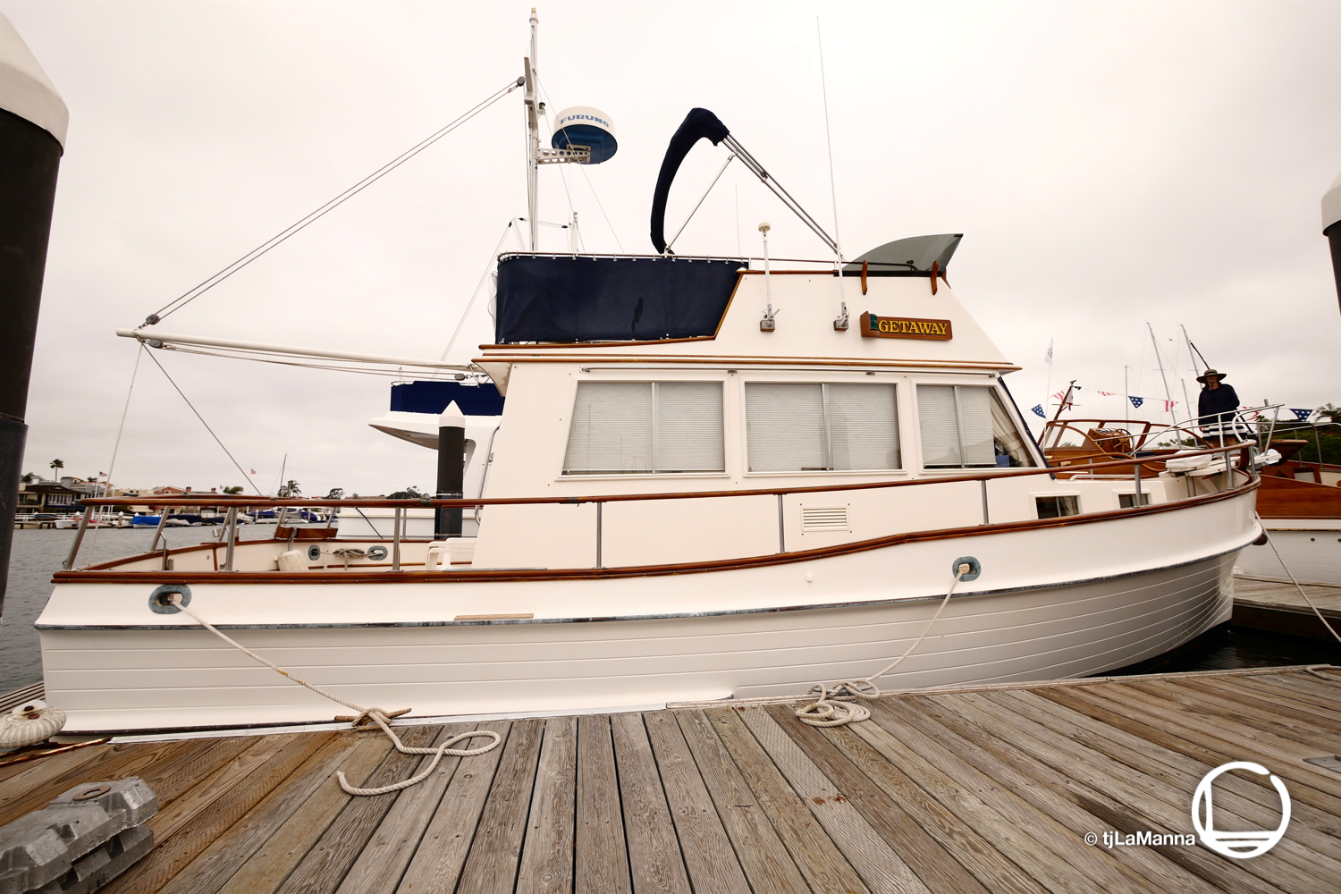 Ah.... memories. This Grand Banks 32 is the same model as my last boat. The image/lines of the boat looks a bit strange due to the ultra-wide angle lens I was using.