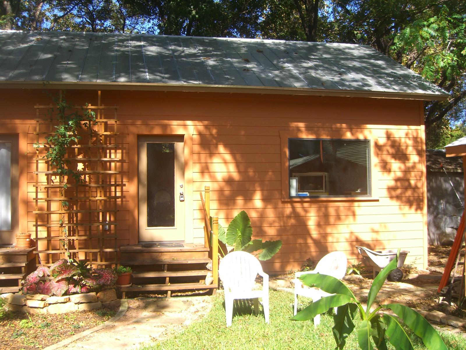 Guest house exterior2.jpg
