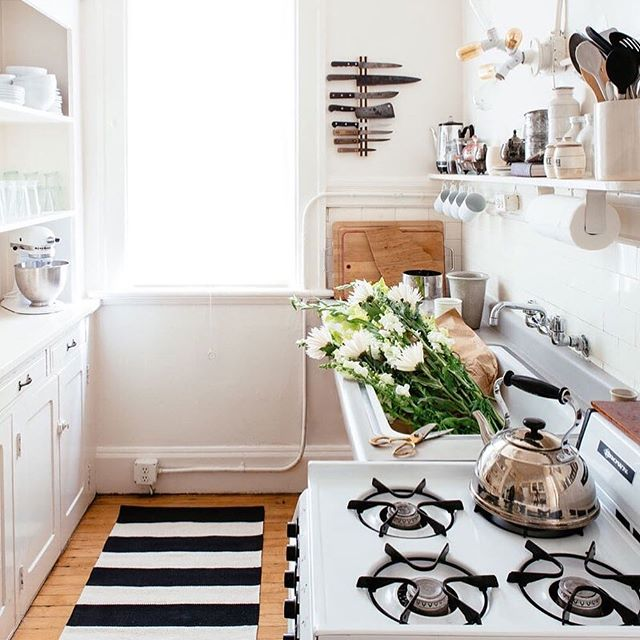 Dreaming of brewing a cup of tea in this beautiful space. ⛅️ #KitchenGoals by @katedavison & @colinprice