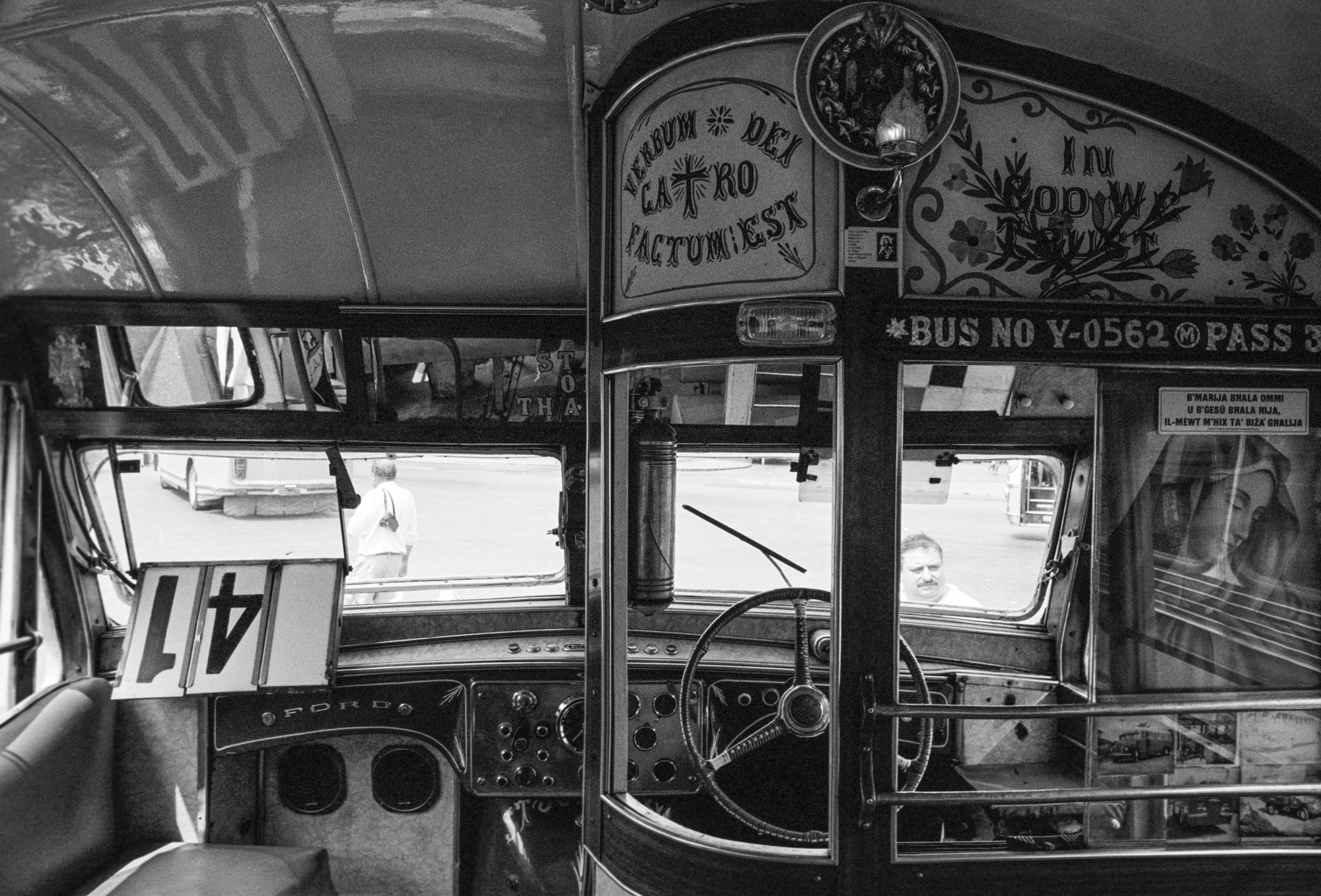#41 bus.jpg