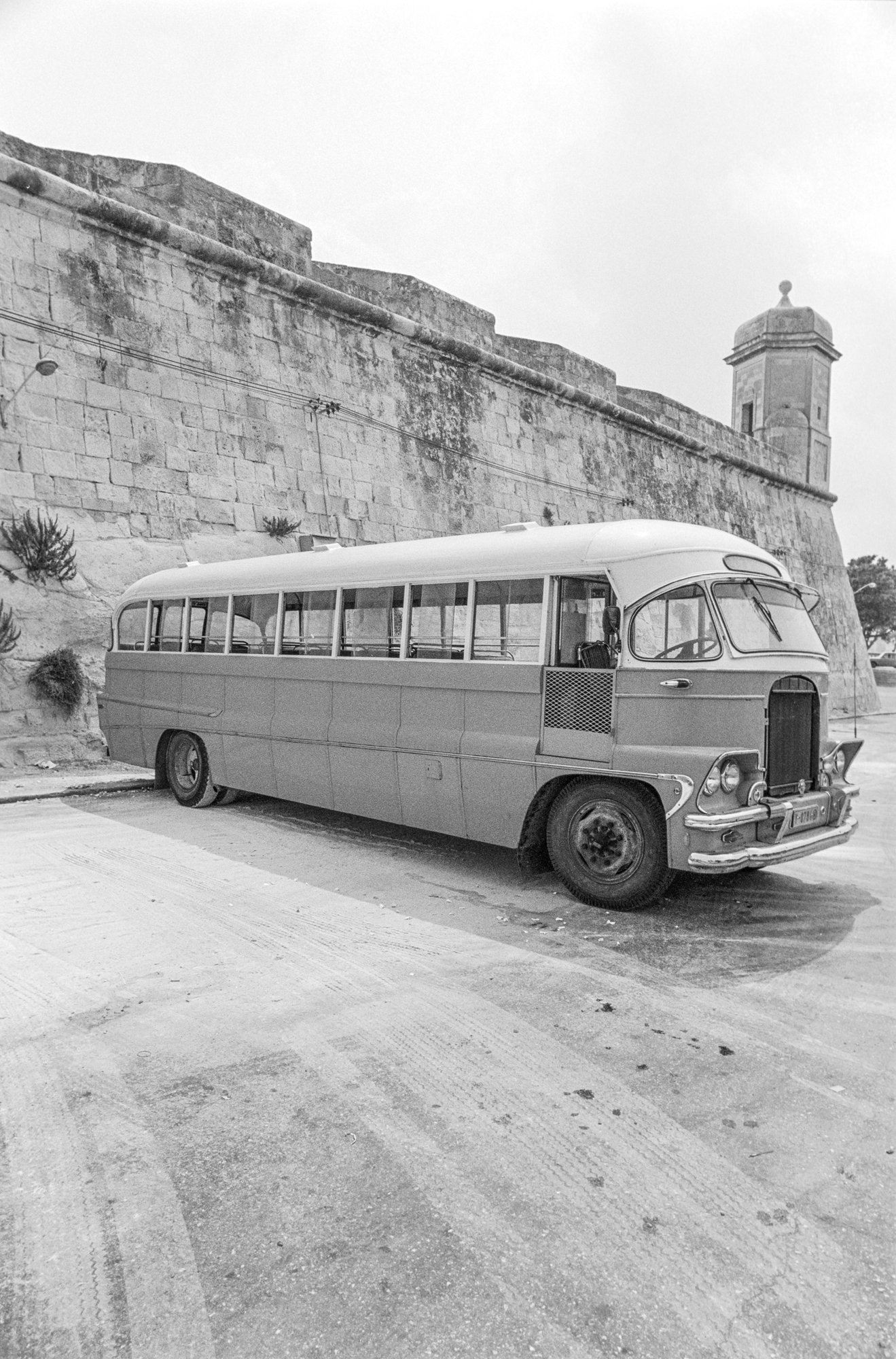 bus and turret.jpg