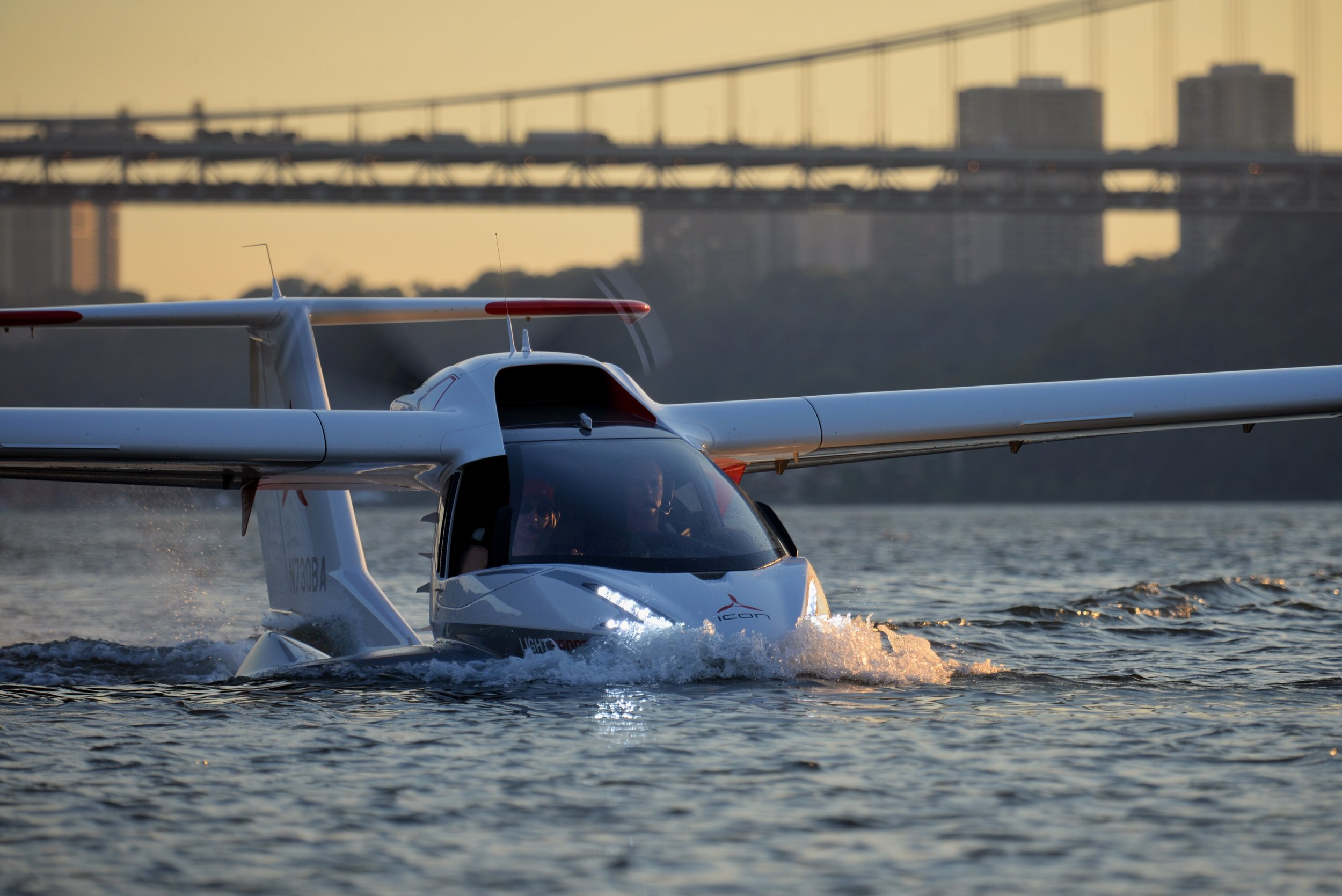 Icon A5 on the Hudson River