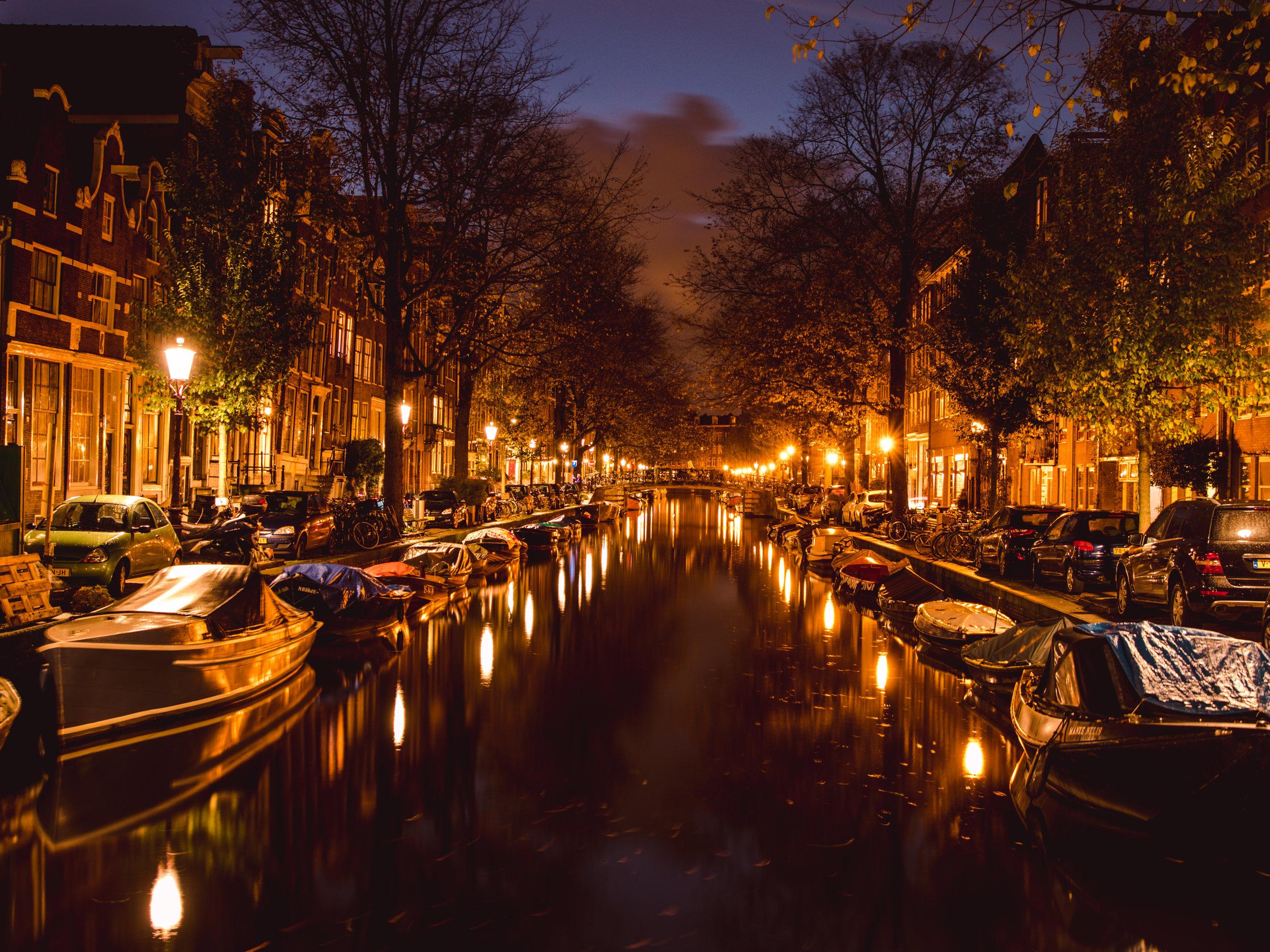 LilyHeaton_AmsterdamCanalsNight.jpg
