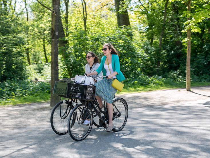 Zuid Vondelpark Cyclist 2 © Lily Heaton.jpg