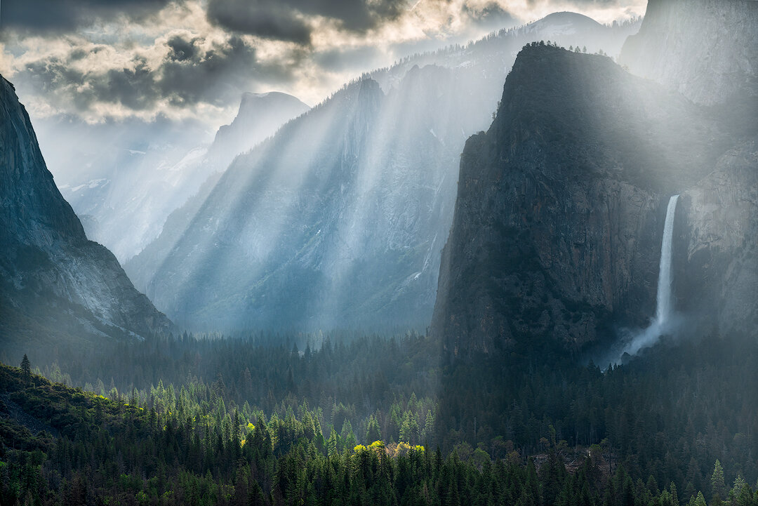 Valley of Light,   an incredible display of light rays from Tunnel View (April 2019).