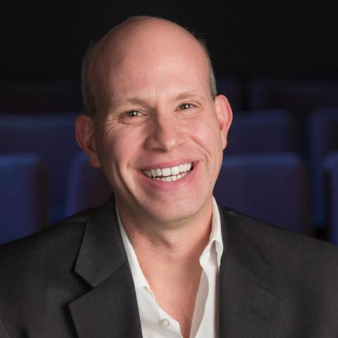 Chris Sutton, Director de Servicios de Producción