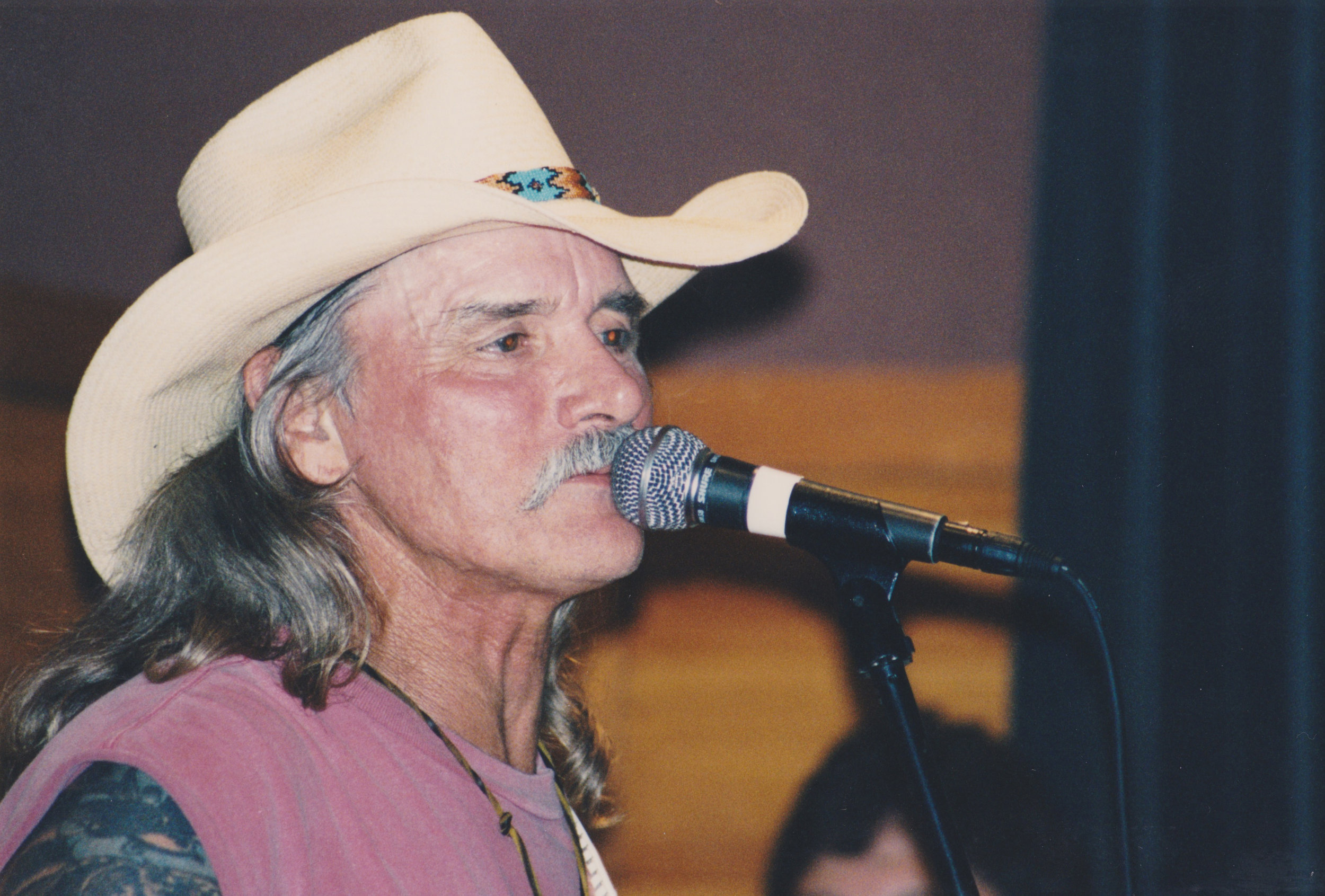 Dickey Betts performs.  Photo by RD Mathers