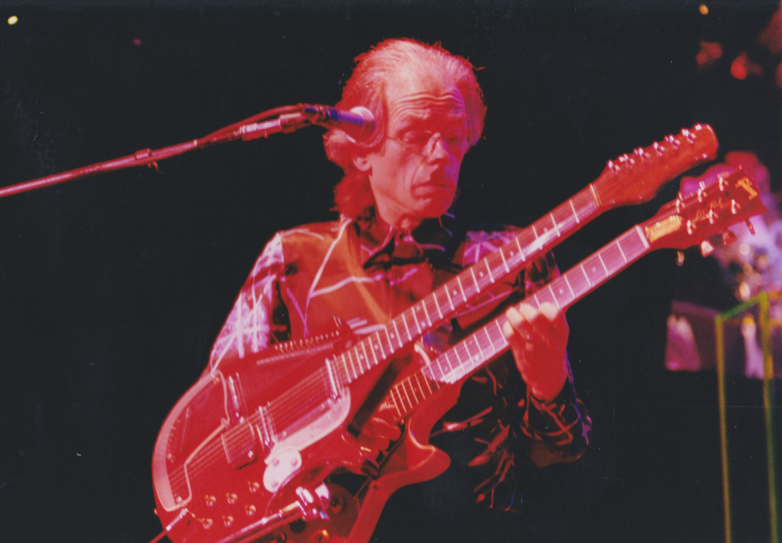Steve Howe. Photo by RD Mathers
