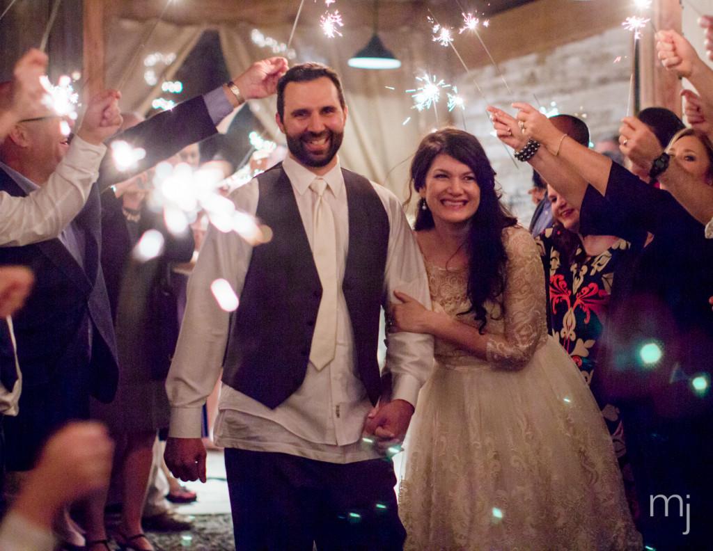 mississippi-starkville-hewlett-barn-boston-destination-wedding-photographer-sparklers-first-dance-babys-breath-white-roses-first-look-photo-2029