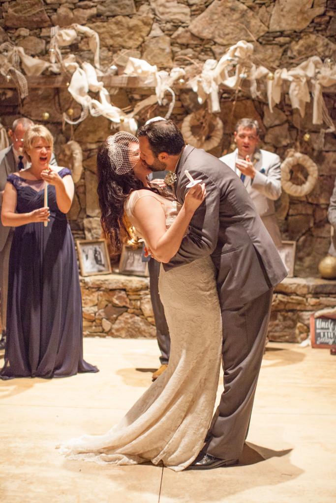 mississippi-starkville-hewlett-barn-boston-destination-wedding-photographer-sparklers-first-dance-babys-breath-white-roses-first-look-photo-nologo-5179