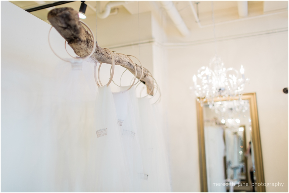 head_over_heels_bridal_mashpee_commons_boston_cape_cod_wedding_photographer_photo_0780