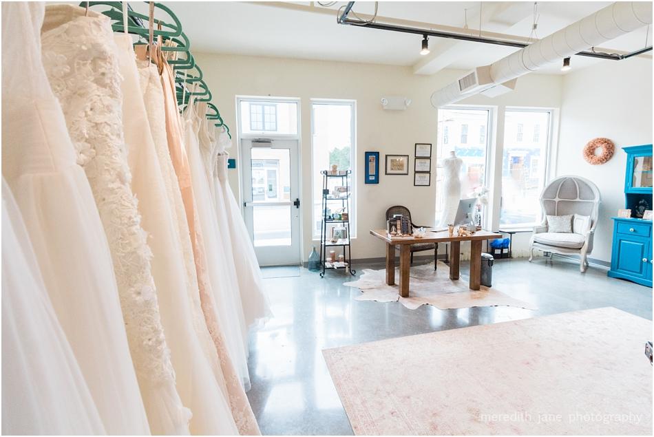 head_over_heels_bridal_mashpee_commons_boston_cape_cod_wedding_photographer_photo_0795