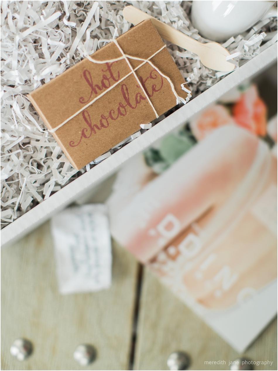 welcome_gift_hot_chocolate_boston_engagement_massachusetts_cape_cod_new_england_wedding_photographer_Meredith_Jane_Photography_photo_1125.jpg