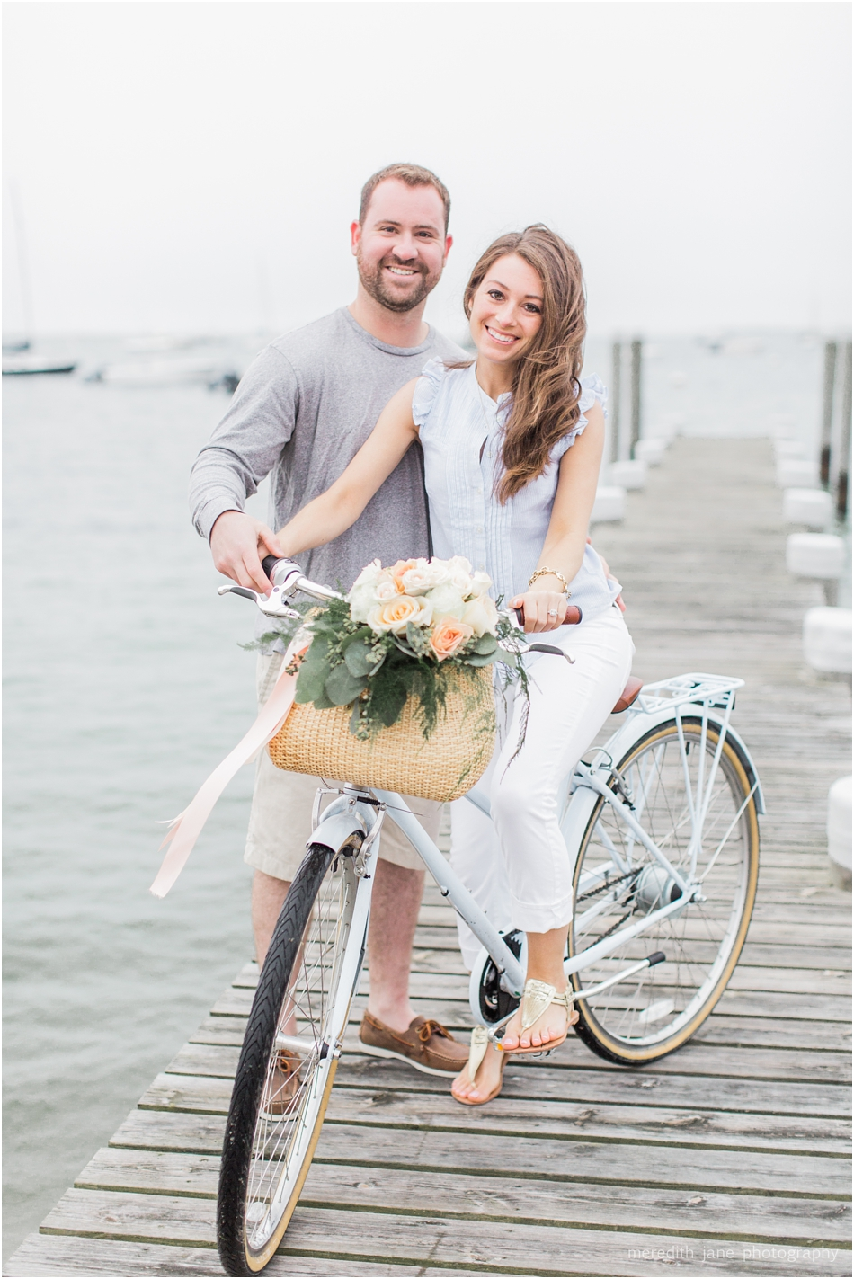 nantucket_engagement_session_downtown_bike_basket_breezer_downtown_8_boston_massachusetts_cape_cod_new_england_wedding_photographer_Meredith_Jane_Photography_photo_1431.jpg