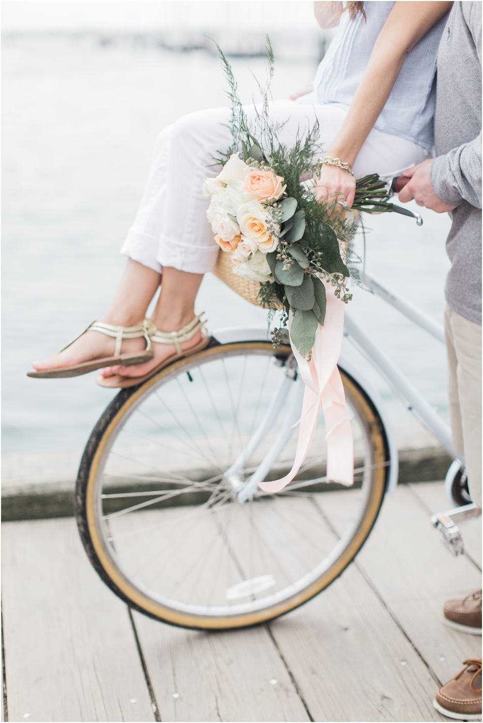 nantucket_engagement_session_downtown_bike_basket_breezer_downtown_8_boston_massachusetts_cape_cod_new_england_wedding_photographer_Meredith_Jane_Photography_photo_1441.jpg