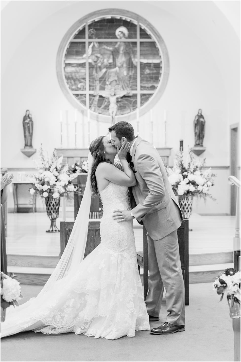 bourne_farm_nicole_michael_boston_massachusetts_cape_cod_new_england_wedding_photographer_Meredith_Jane_Photography_photo_2045.jpg
