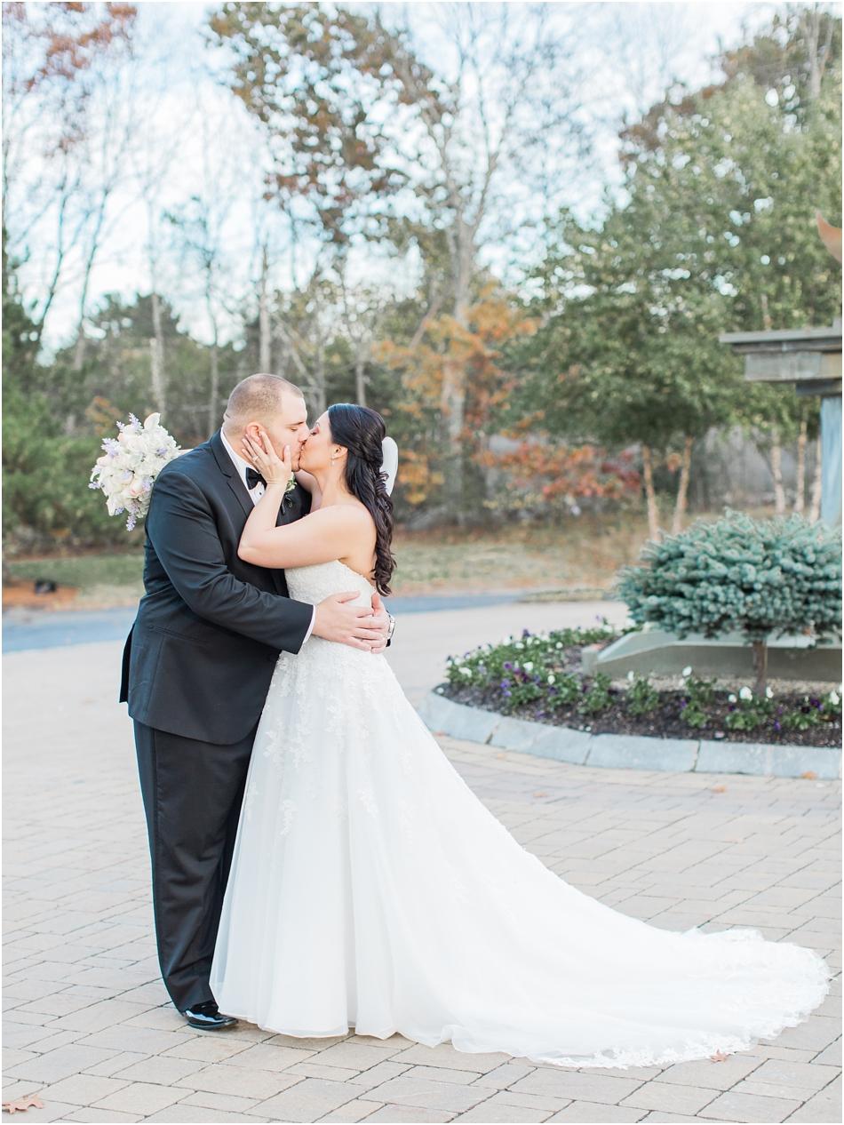 north_reading_lauren_sal_ballroom_cape_cod_boston_new_england_wedding_photographer_Meredith_Jane_Photography_photo_0131.jpg