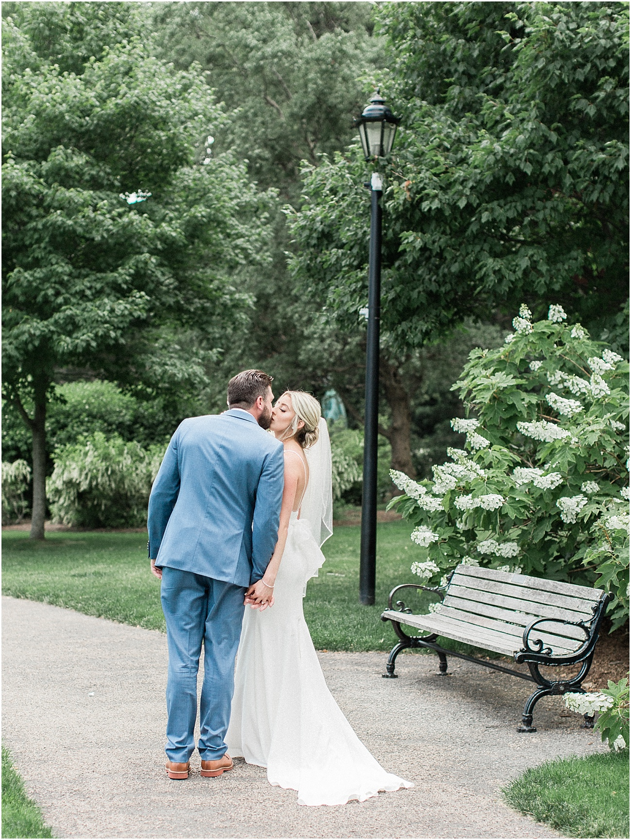 lindsey_paul_indian_pond_country_club_wild_dahlia_brewster_gardens_plymouth_cape_cod_boston_wedding_photographer_meredith_jane_photography_photo_0376.jpg