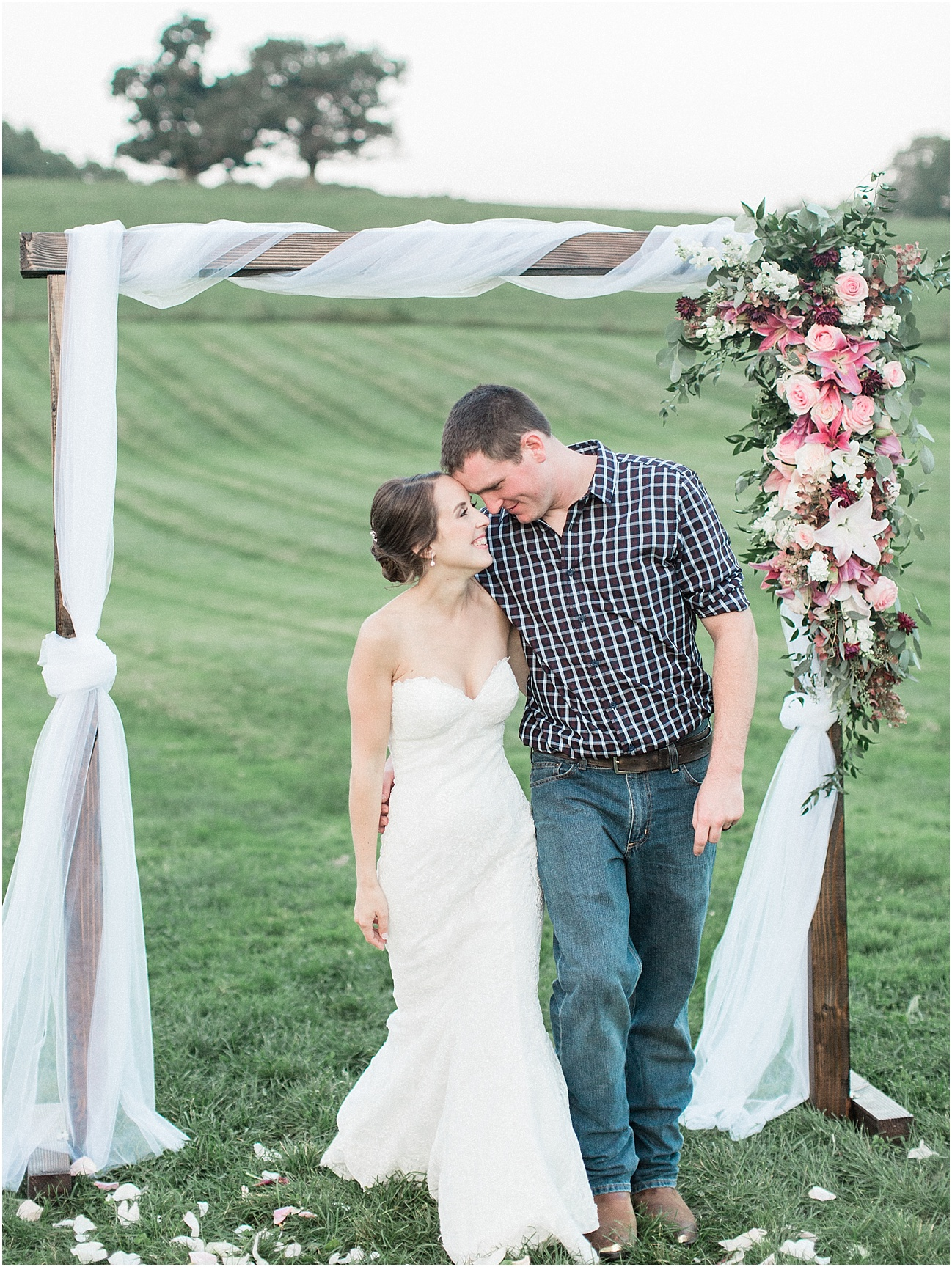 jackie_brad_barn_at_gibbett_hill_country_yellow_lab_fall_burgundy_cape_cod_boston_wedding_photographer_meredith_jane_photography_photo_1052.jpg